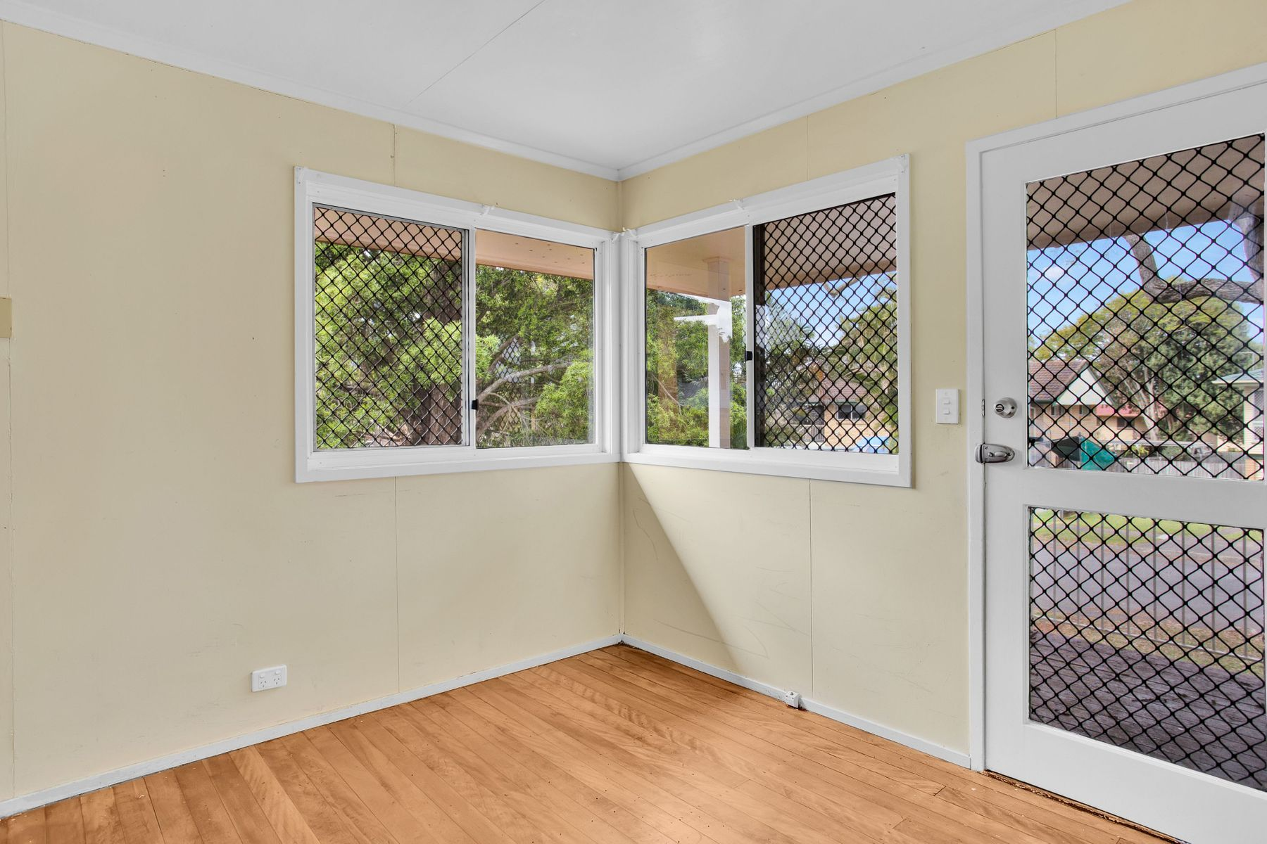 9 Barramay Street, Manly West, QLD 4179