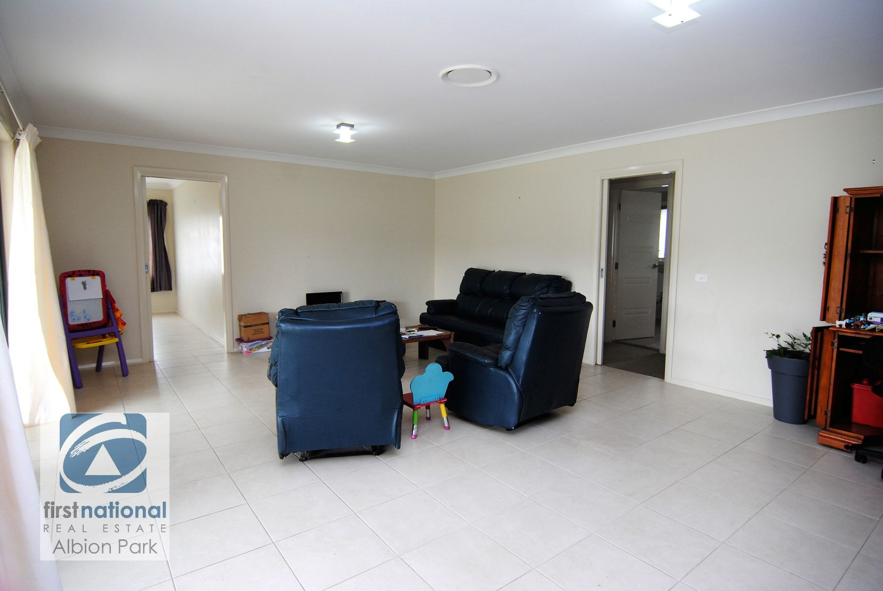 3 Yellow Rock Road, Tullimbar, NSW 2527