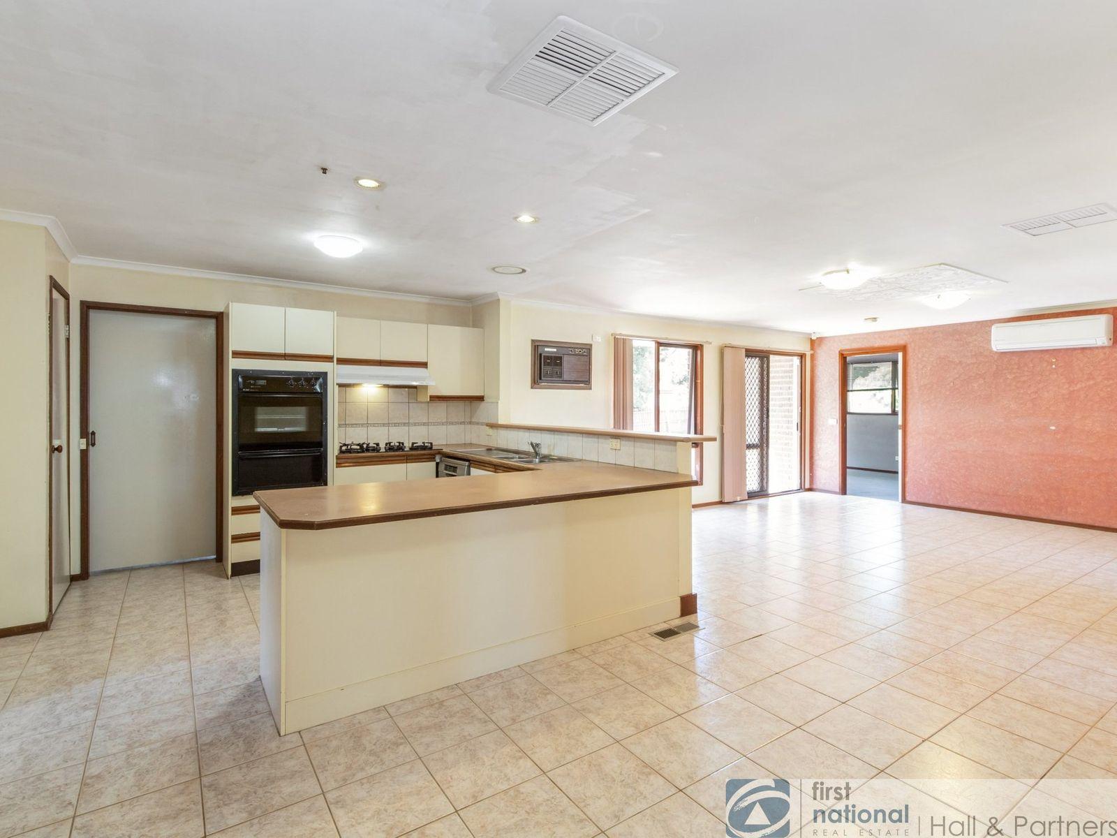 4 Nevis Court, Endeavour Hills, VIC 3802