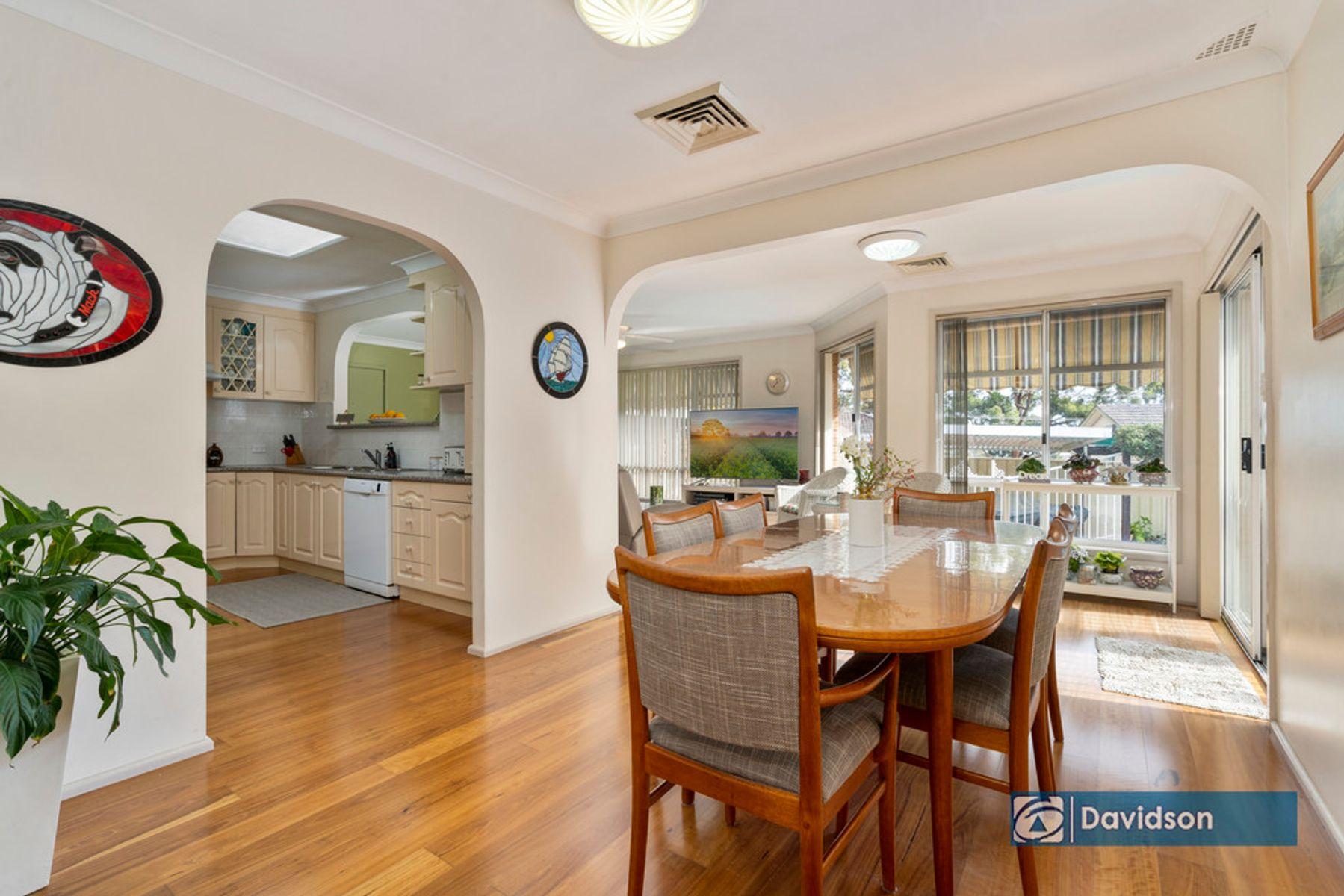6 Templeton Cres, Moorebank, NSW 2170