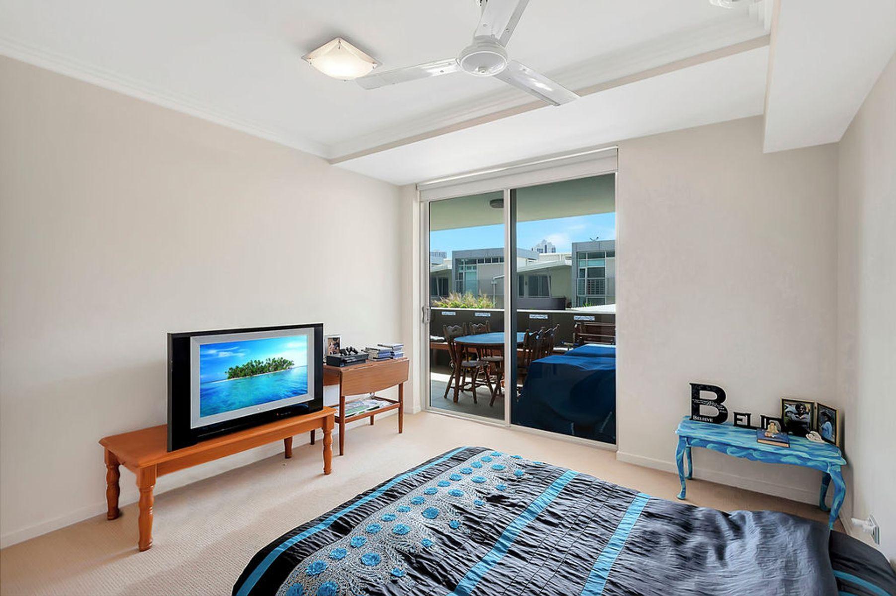 17/53 DARRAMBAL STREET, Surfers Paradise, QLD 4217