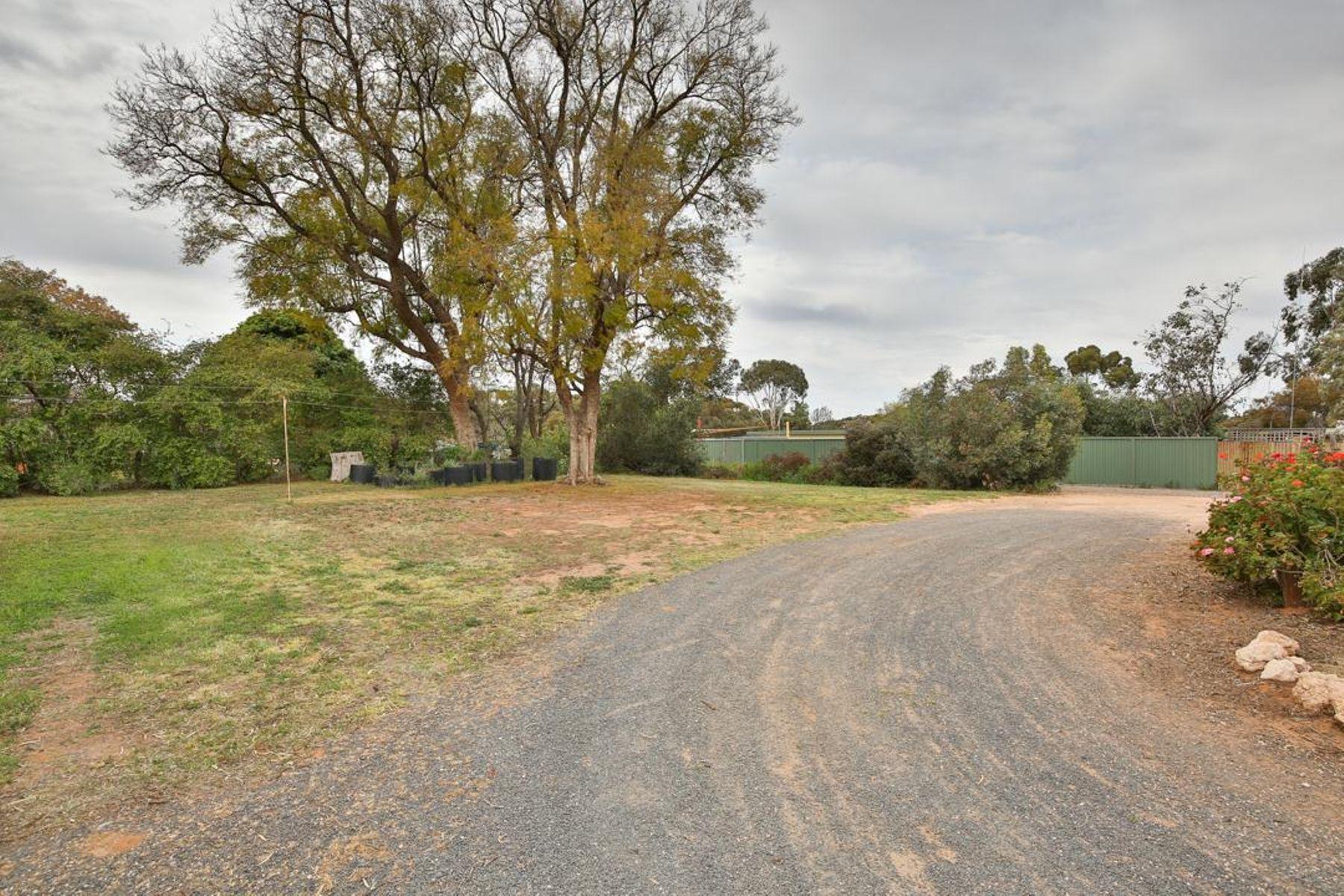 5543 Millewa Road, Werrimull, VIC 3496