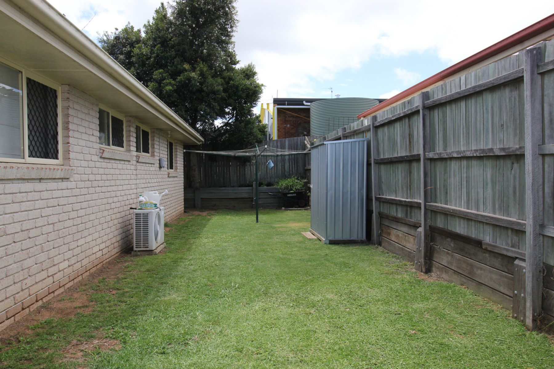 2/2 Todd Court, Kearneys Spring, QLD 4350