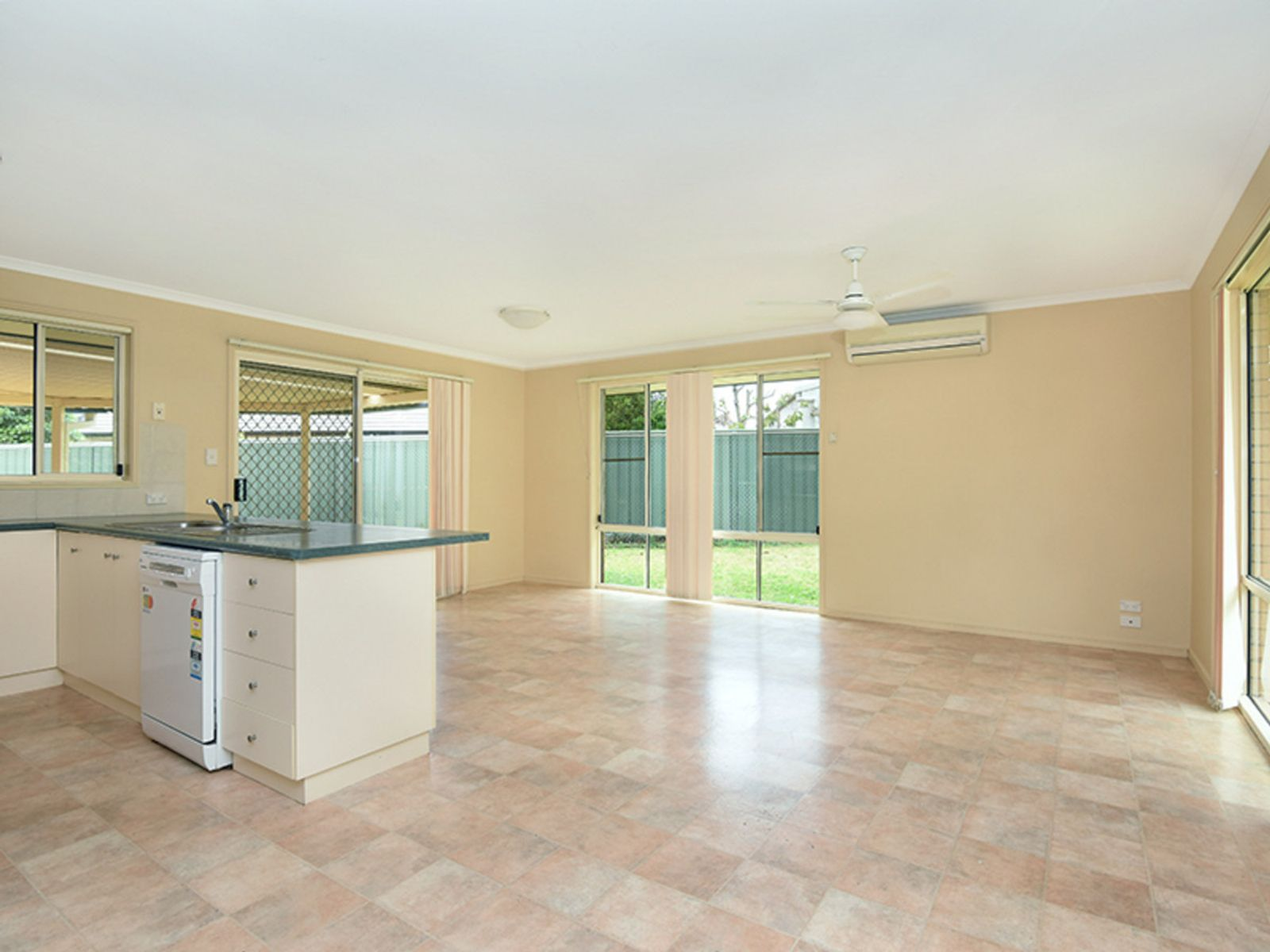 2 Jake Court, Middle Ridge, QLD 4350