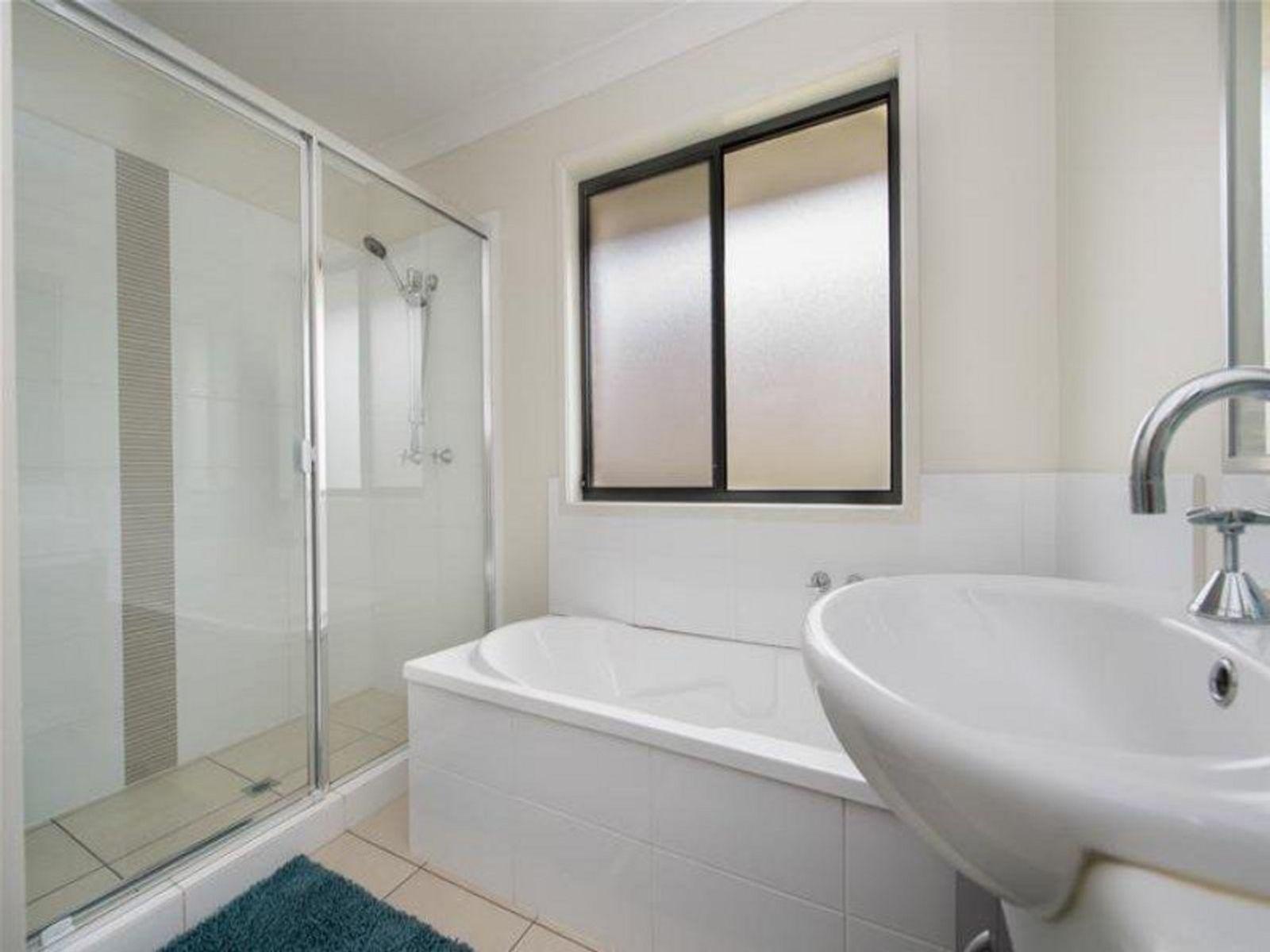 90 Hogg Street, Wilsonton Heights, QLD 4350