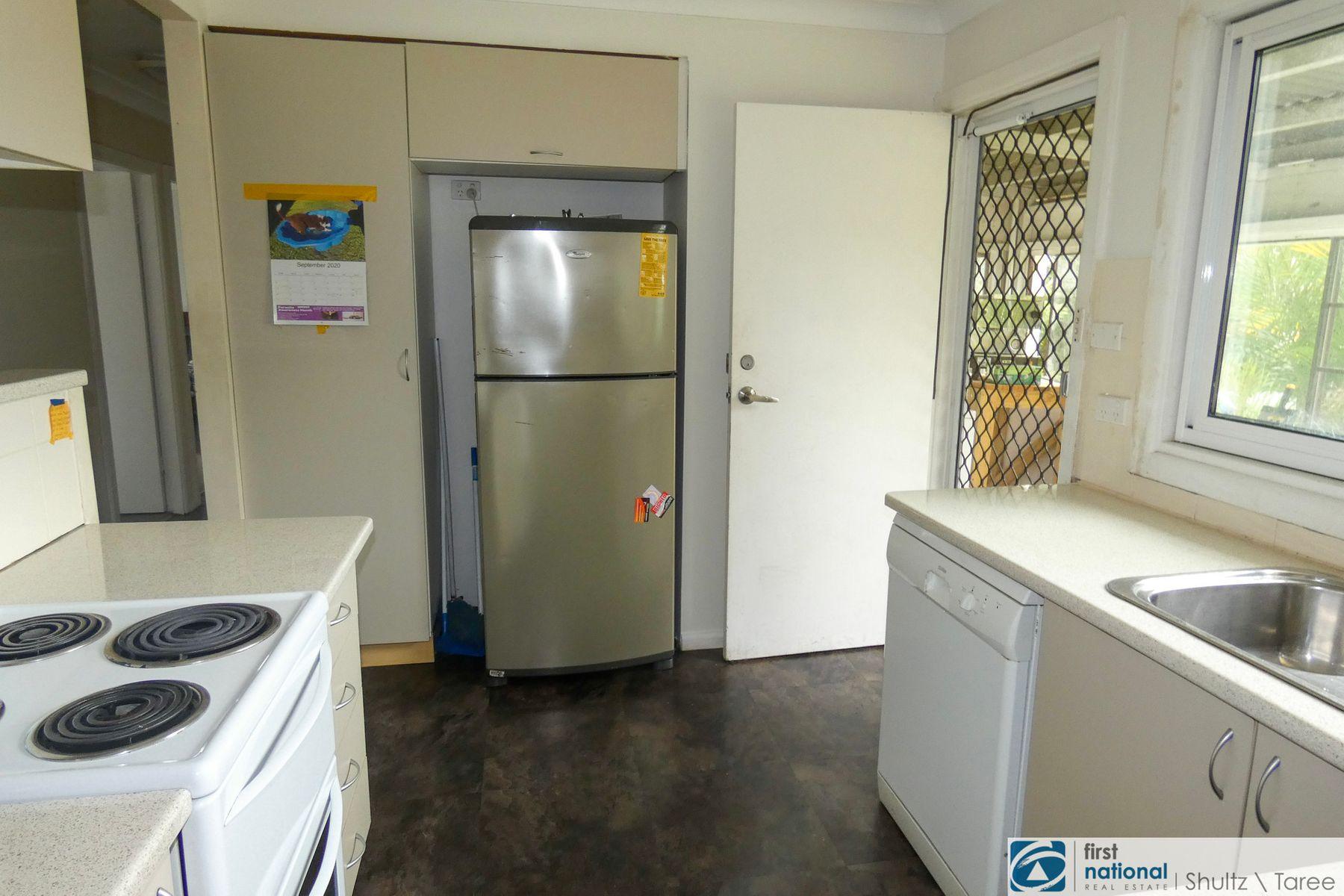 8 Deb Street, Taree, NSW 2430