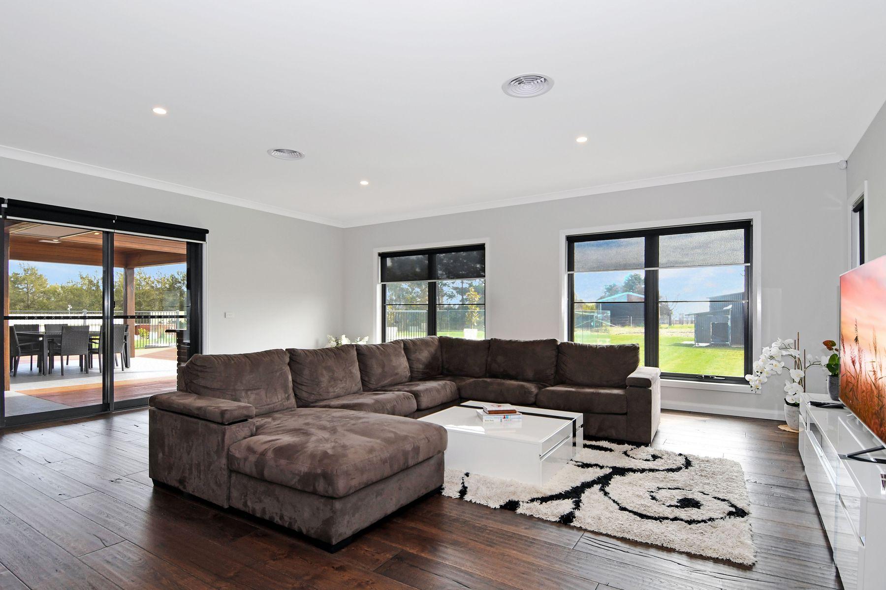 18 Ridgeview Close, White Rock, NSW 2795
