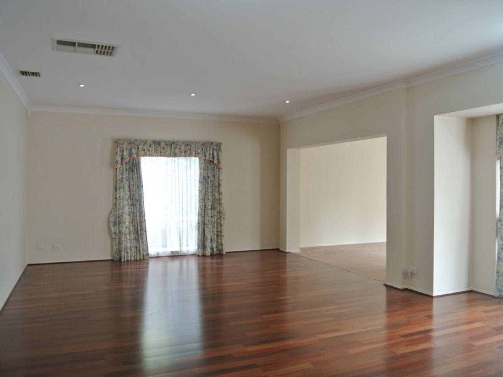 8 Thomas Arnold Avenue, Glen Waverley, VIC 3150