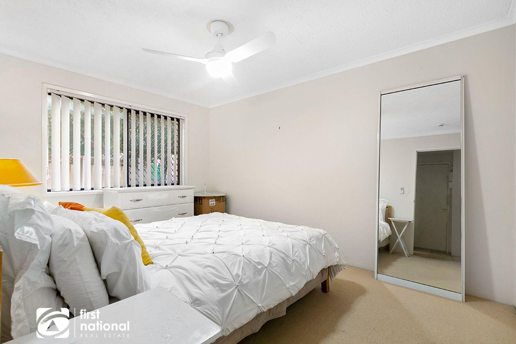 2/16 Madang Crescent, Runaway Bay, QLD 4216