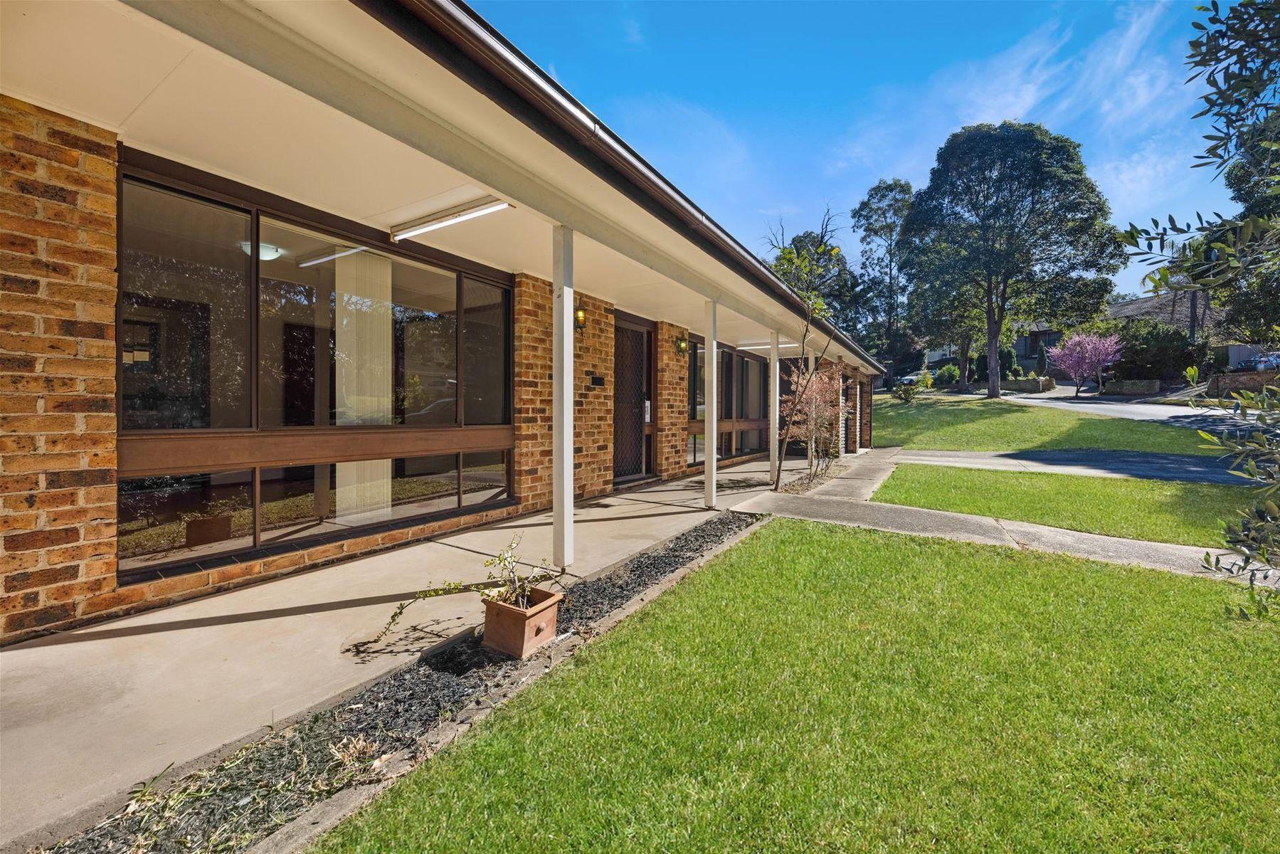 28 Amphitheatre Circuit, Baulkham Hills, NSW 2153