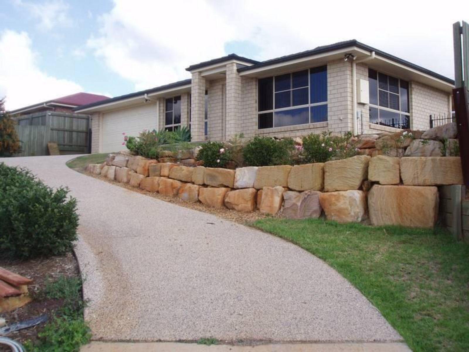 16 Mason Court, Kearneys Spring, QLD 4350