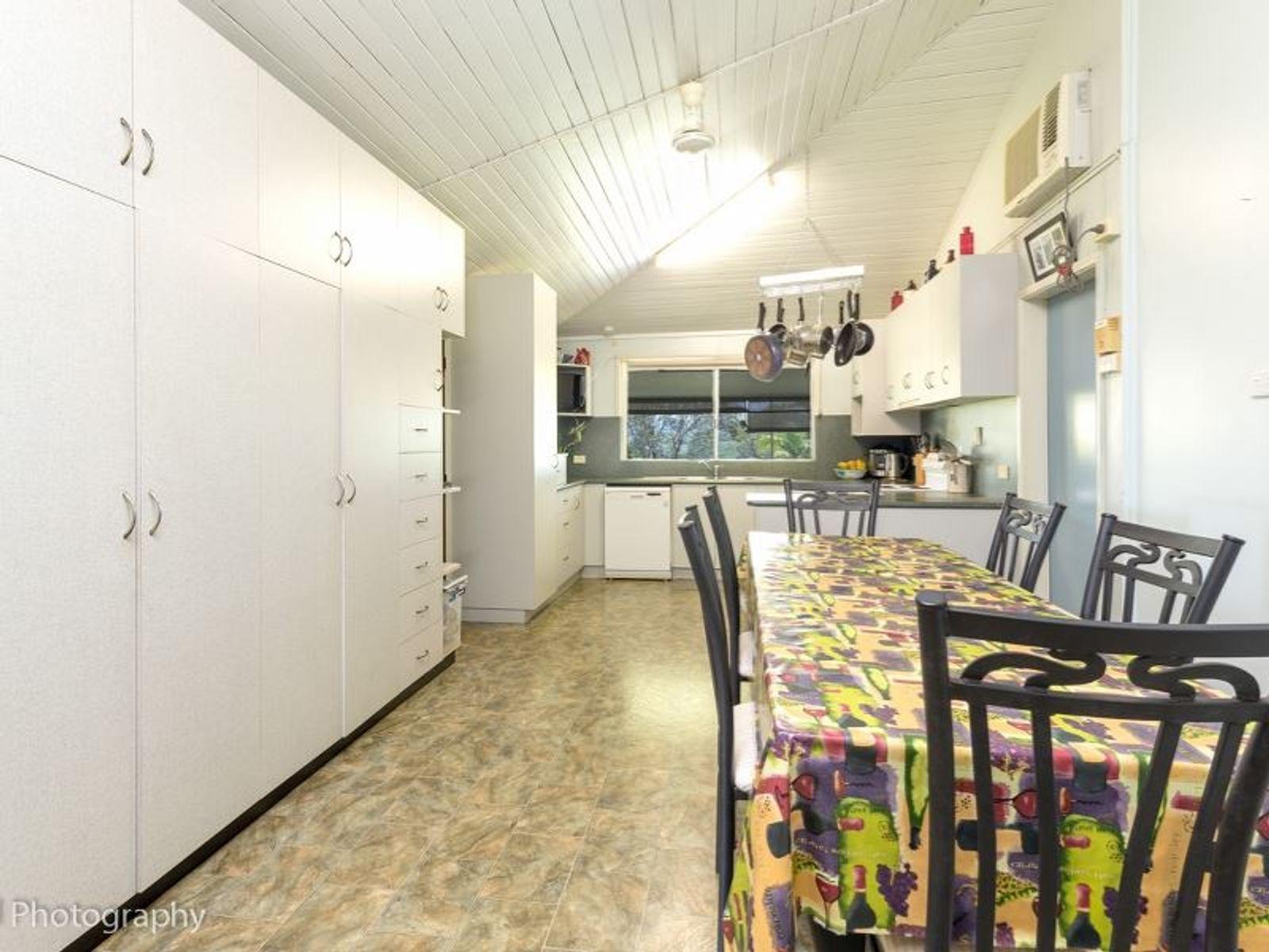 385 Palmerston Highway, O'Briens Hill, QLD 4860