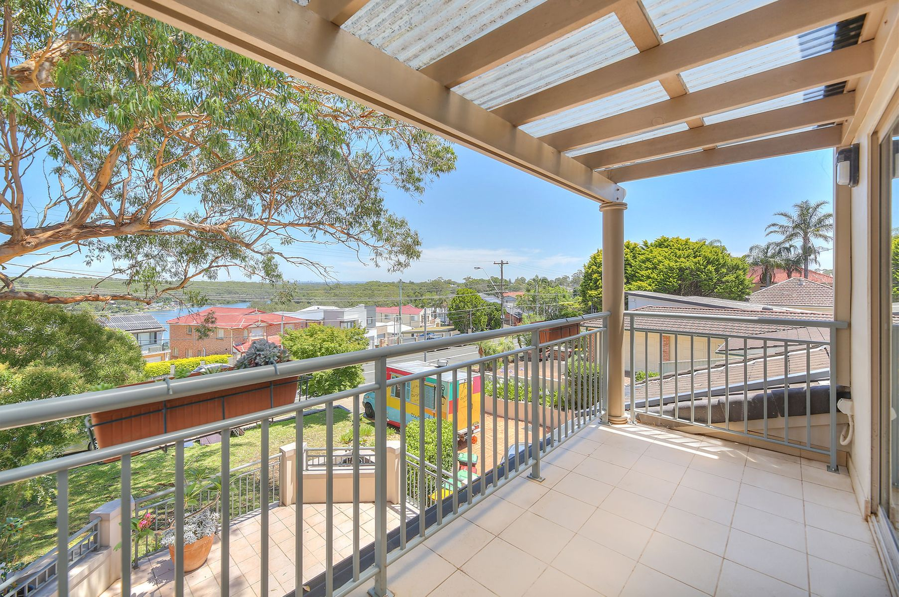 2/853 Henry Lawson Drive, Picnic Point, NSW 2213