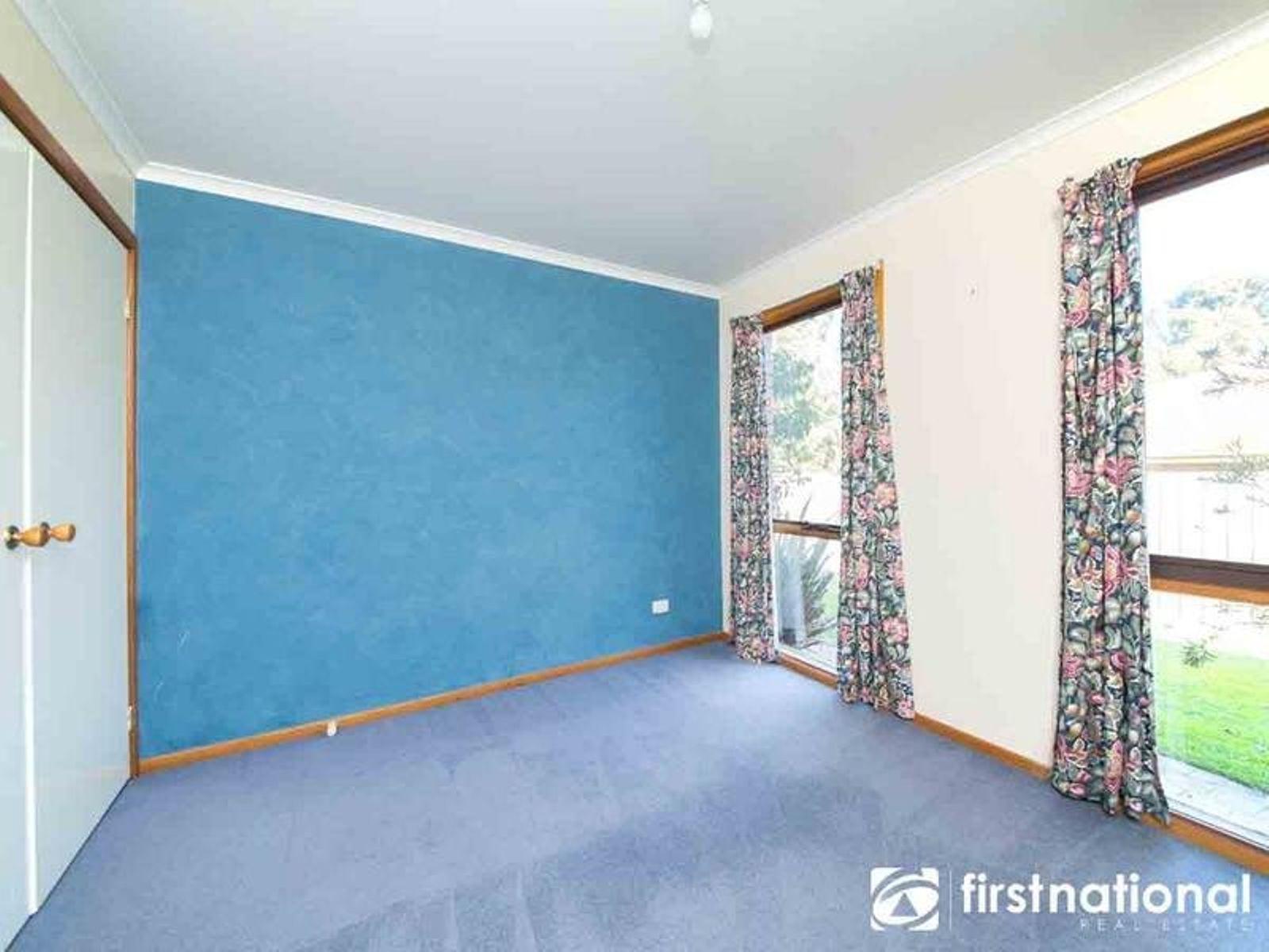15 Escott Grove Berwick Vic 3806 Australia House For