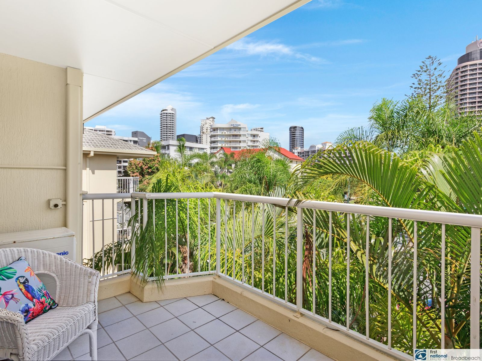 33/27 WHARF ROAD, Surfers Paradise, QLD 4217