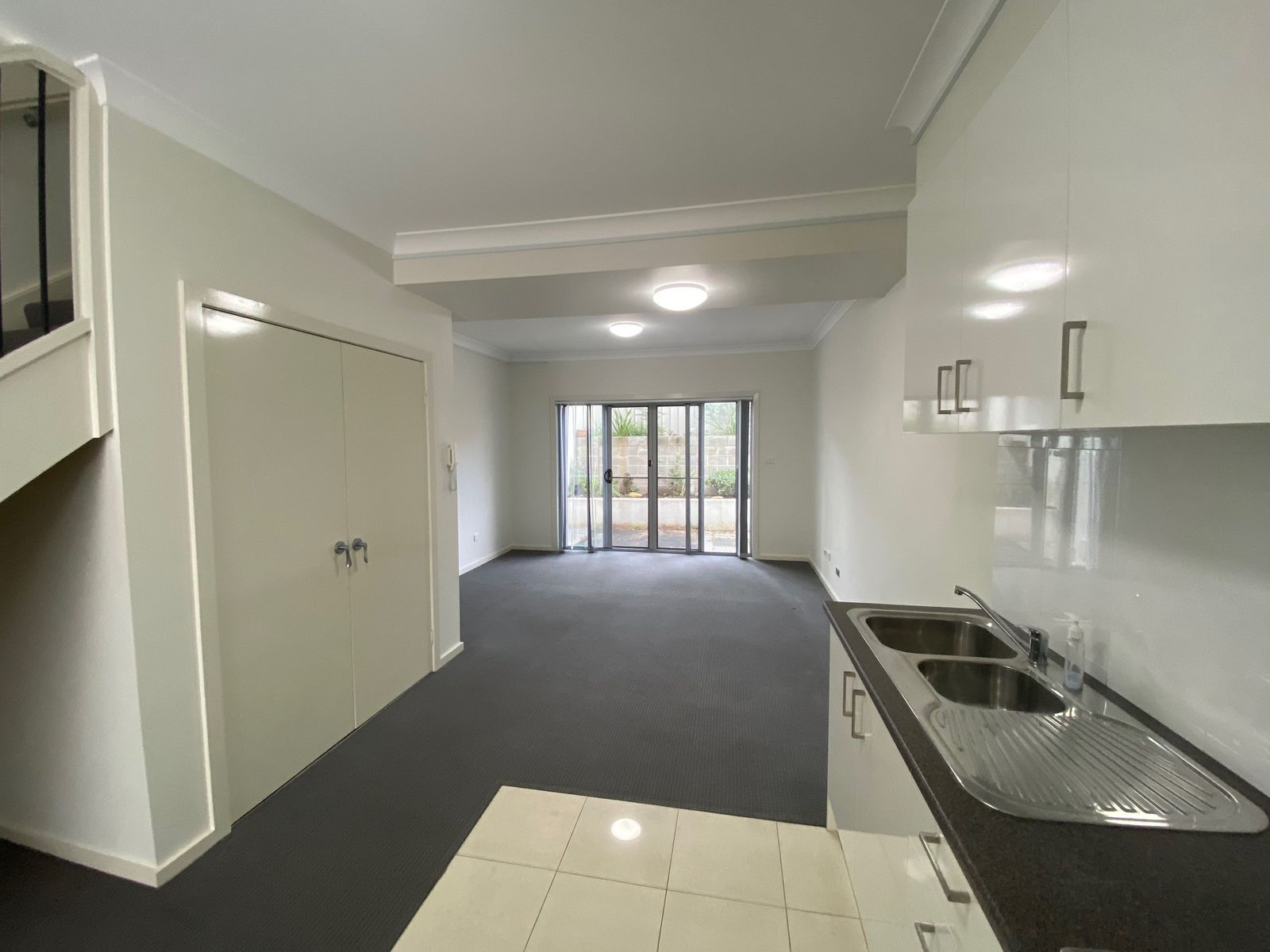 9/125 Lake Entrance Road, Barrack Heights, NSW 2528