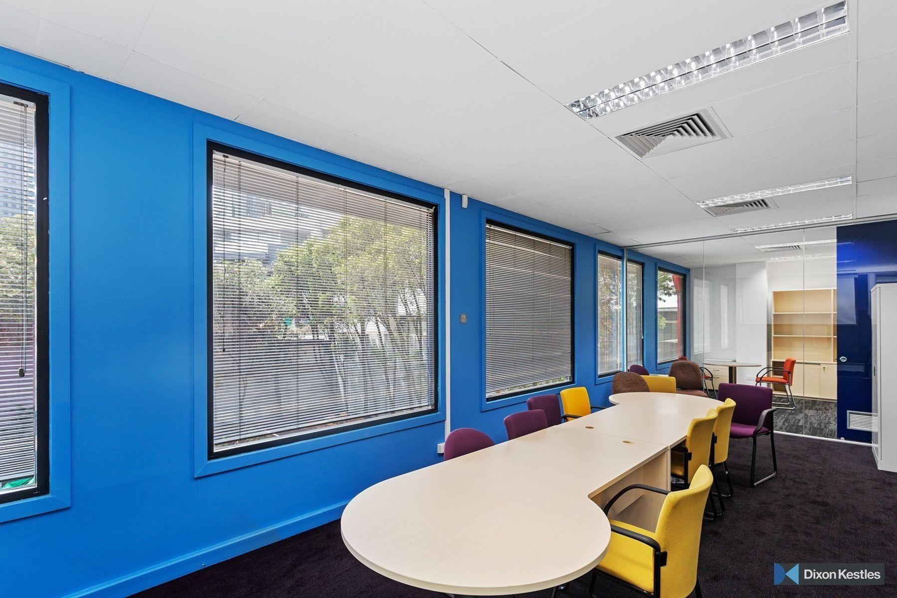 009 Open2view ID614688 72 Market St South Melbourne