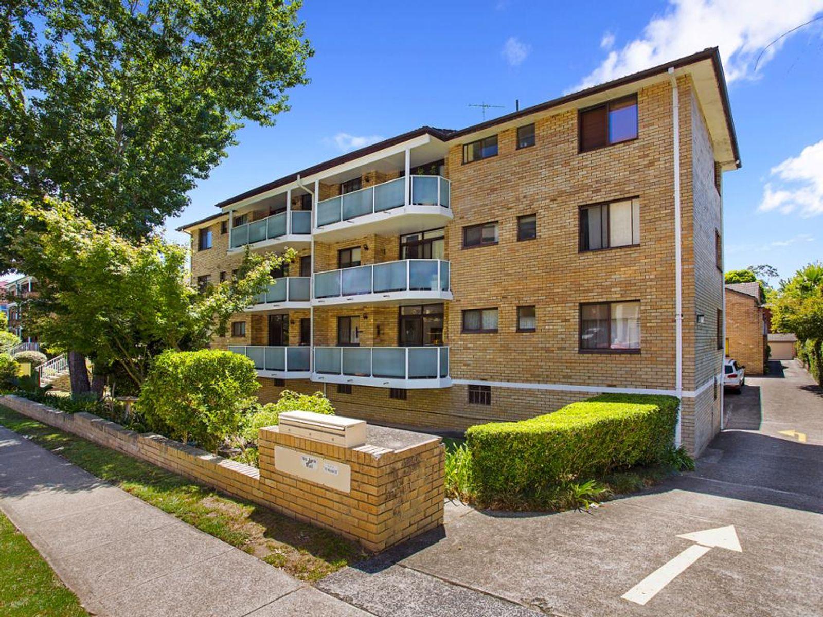 16/10 Muriel Street, Hornsby, NSW 2077