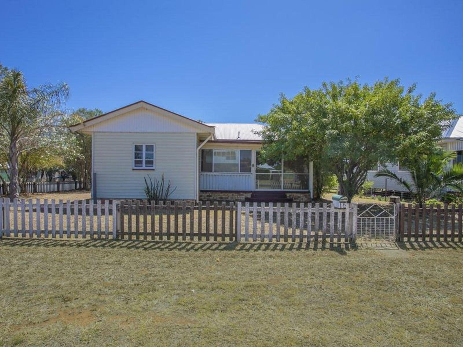 15 Russell Street, Chinchilla, QLD 4413