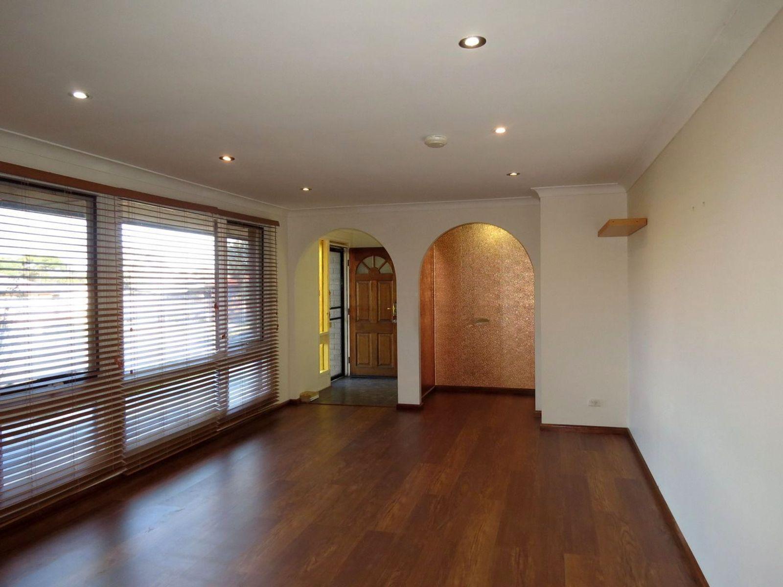 137 Harrow Road, Glenfield, NSW 2167