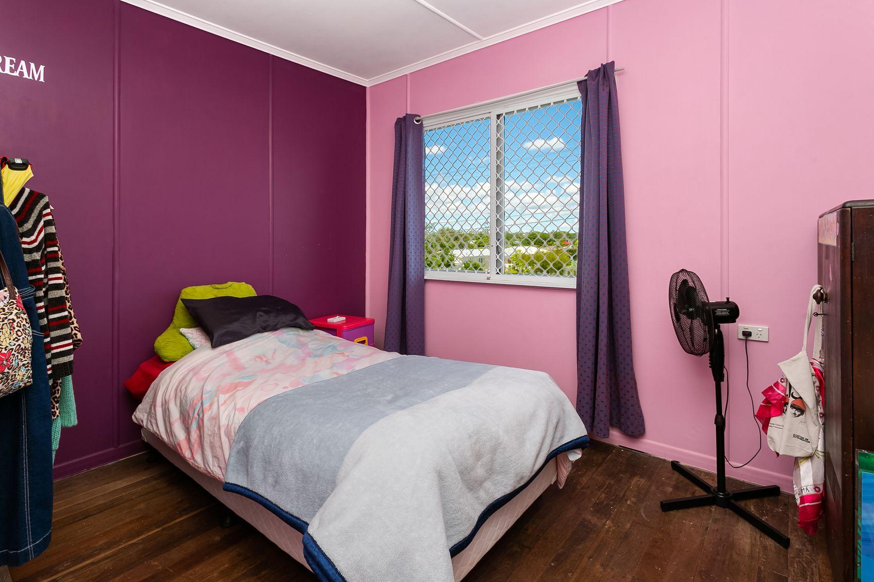18 Leslie Street, East Ipswich, QLD 4305