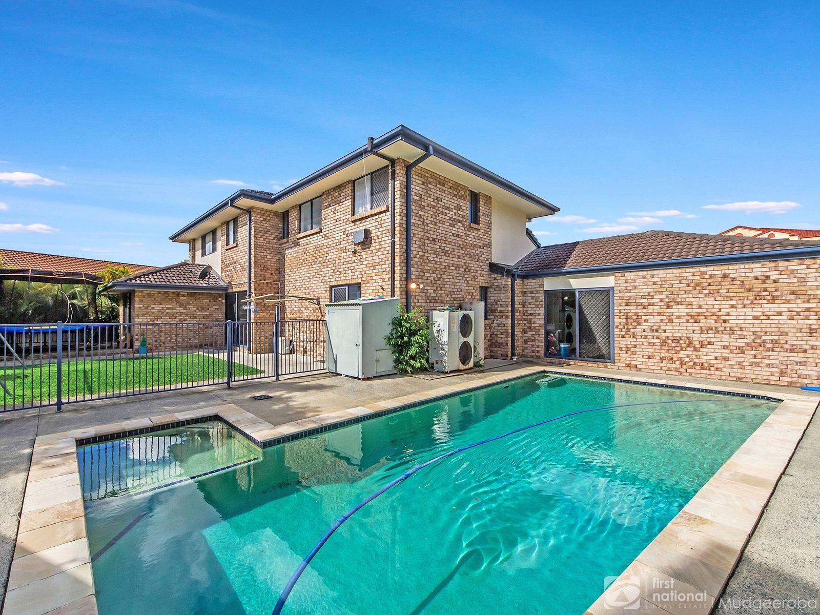 69 Kincaid Drive, Highland Park, QLD 4211