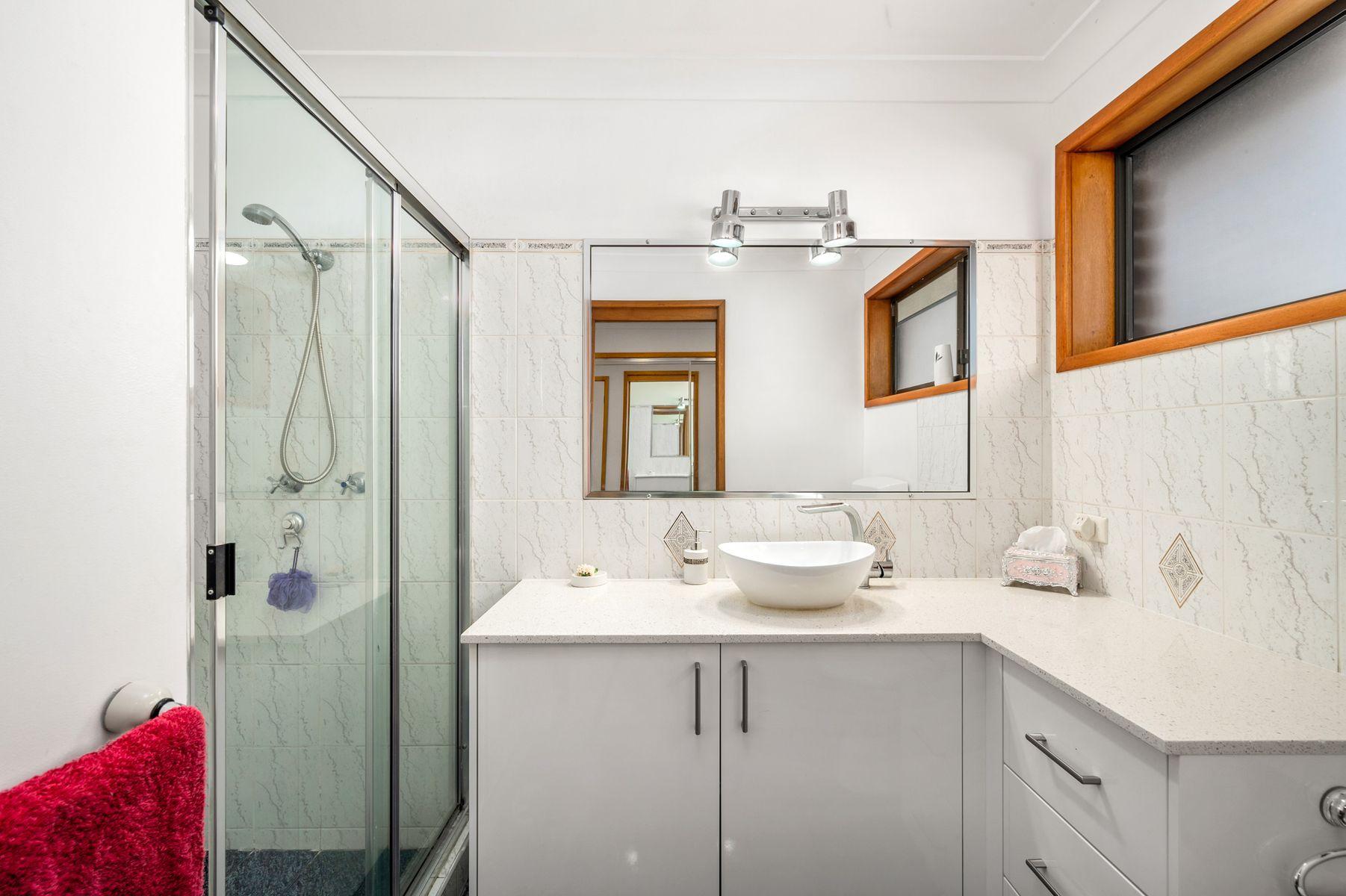 810 Macquarie Drive, Croudace Bay, NSW 2280