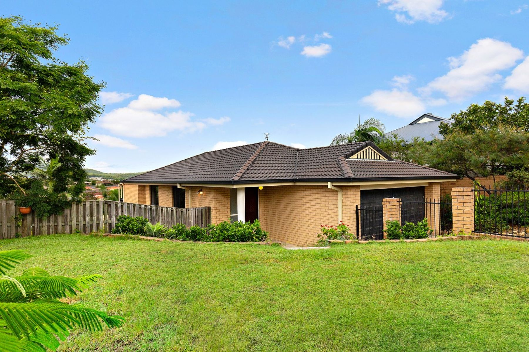 19 Manra Way, Pacific Pines, QLD 4211