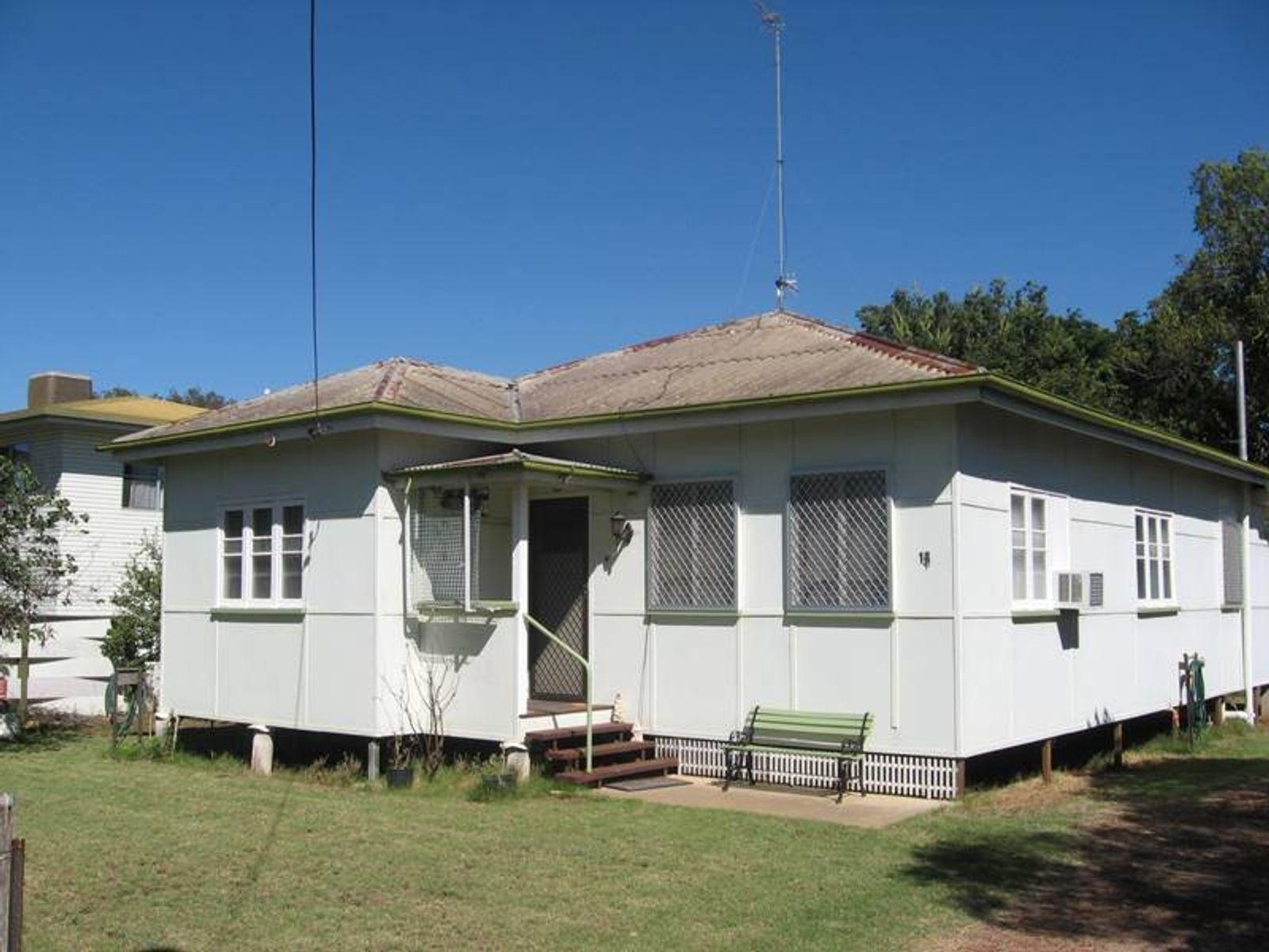 13 Burbank, Chinchilla, QLD 4413
