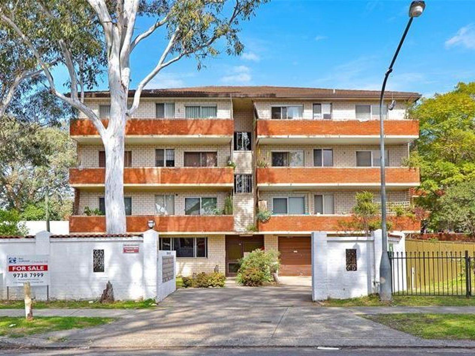 24/1 Waterside Crescent, Carramar, NSW 2163