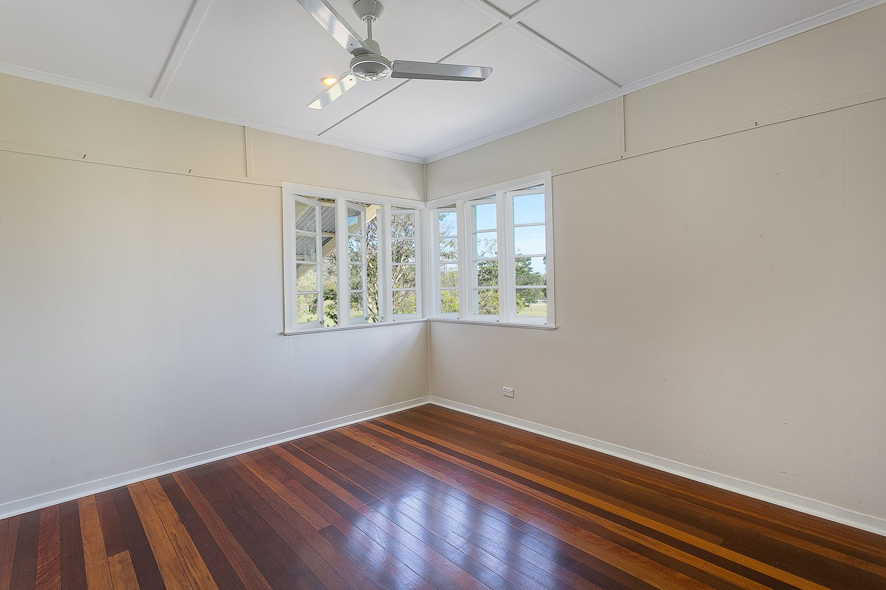 13 Waterhouse Road, Summerholm, QLD 4341