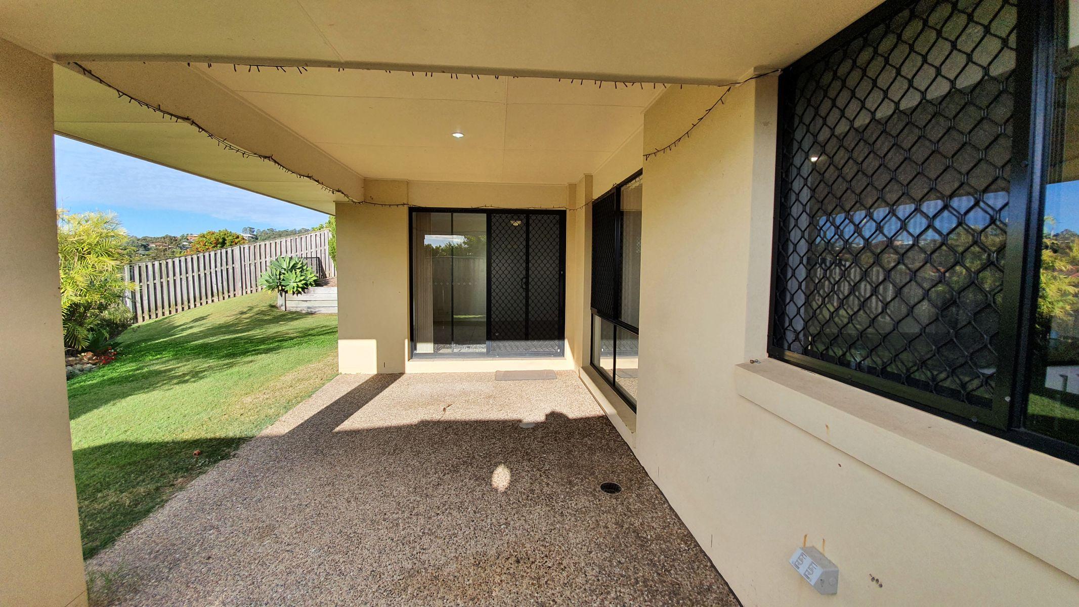 5 Tuggeranong Avenue, Pacific Pines, QLD 4211
