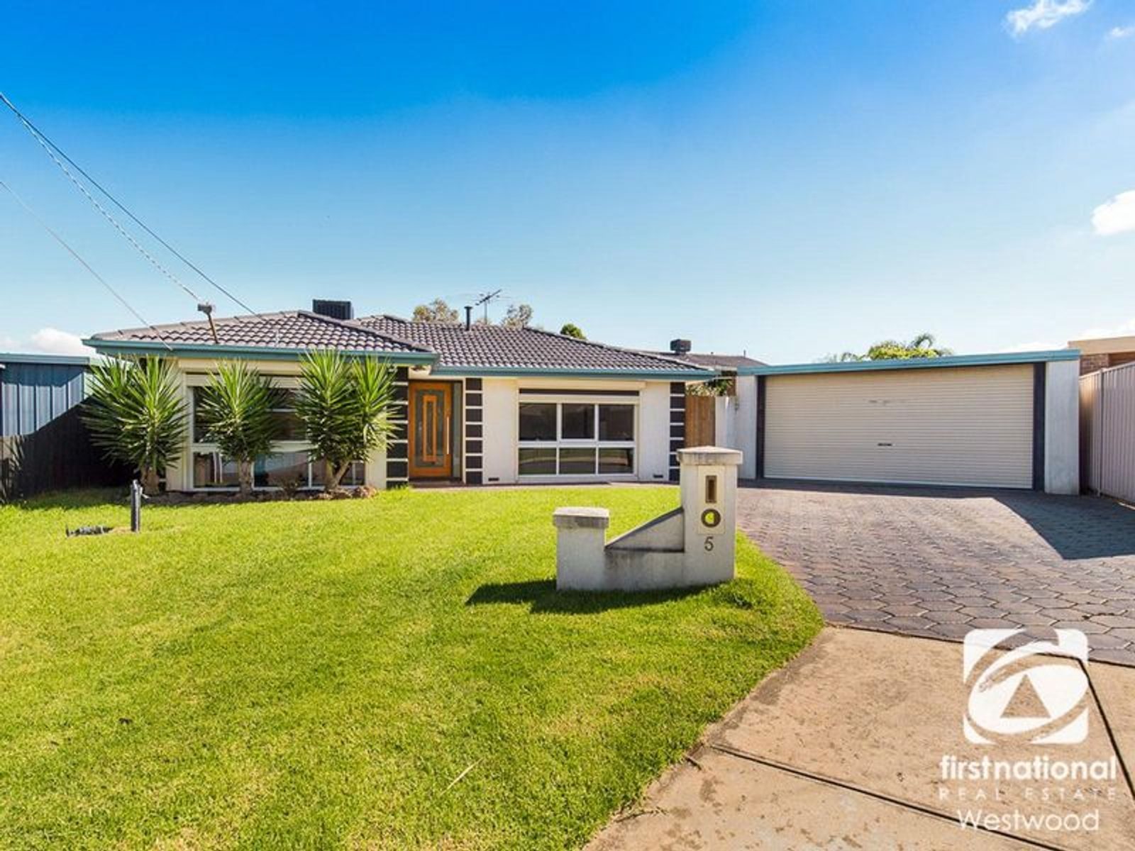 5 Loddon Court, Werribee, VIC 3030