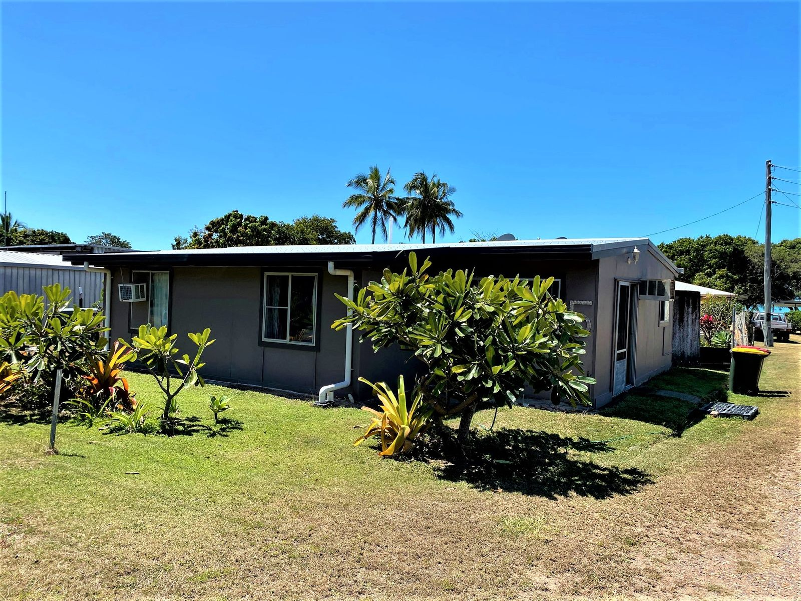 5 COLONIAL DRIVE, Clairview, QLD 4741