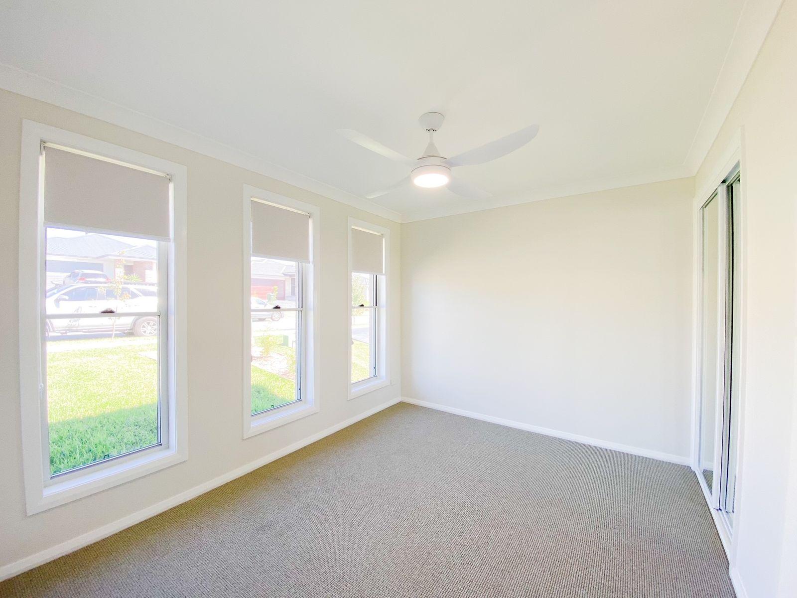 2/8 Avocet Street, Aberglasslyn, NSW 2320