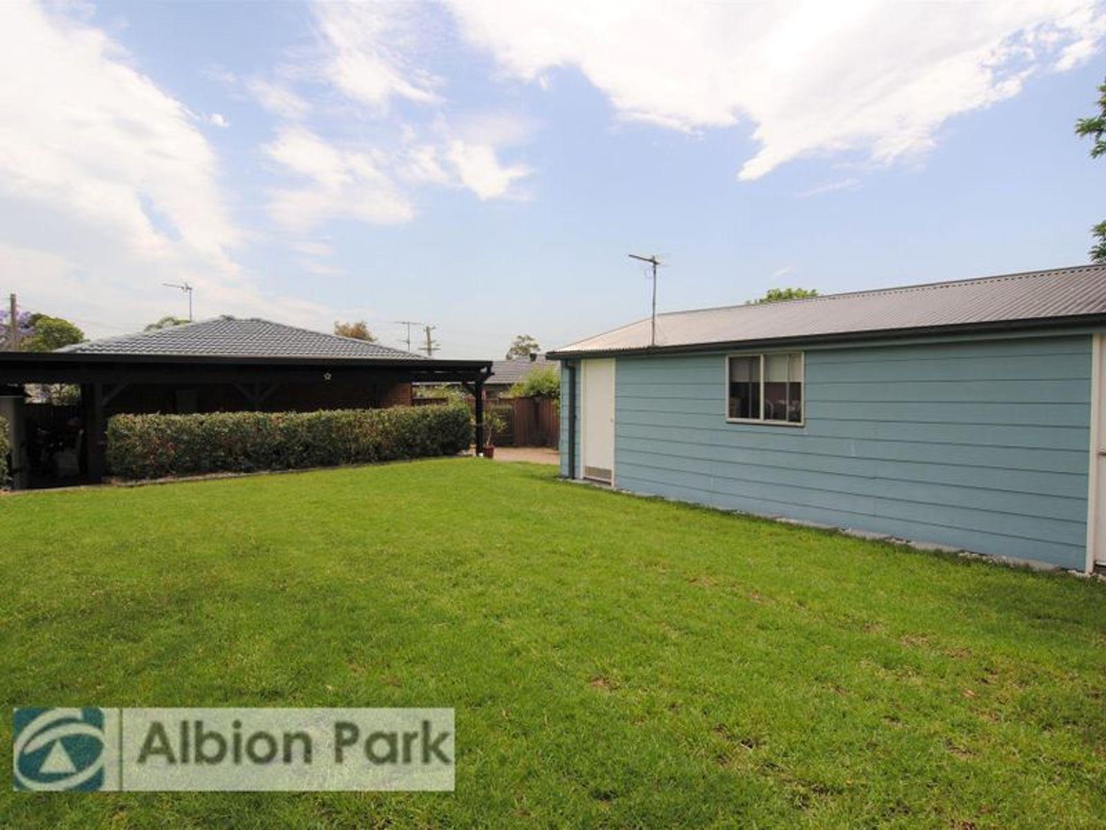 12 Jeffcoat Street, Albion Park, NSW 2527