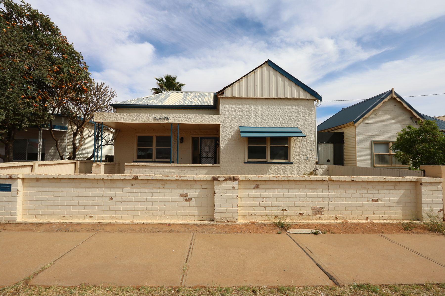 108 Patton Street, Broken Hill, NSW 2880