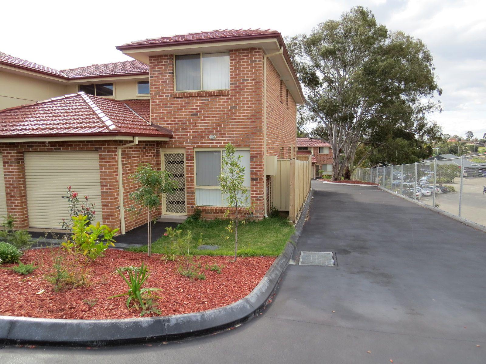 12/4 Feldspar Road, Eagle Vale, NSW 2558