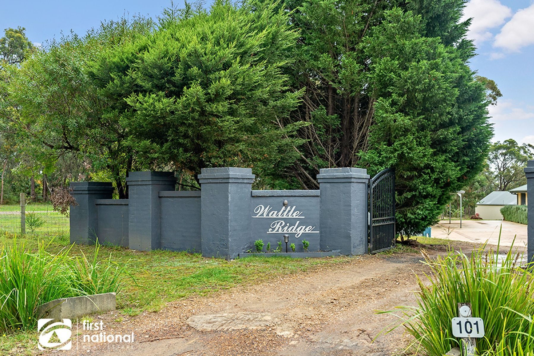 101 Wattle Ridge Road, Hill Top, NSW 2575