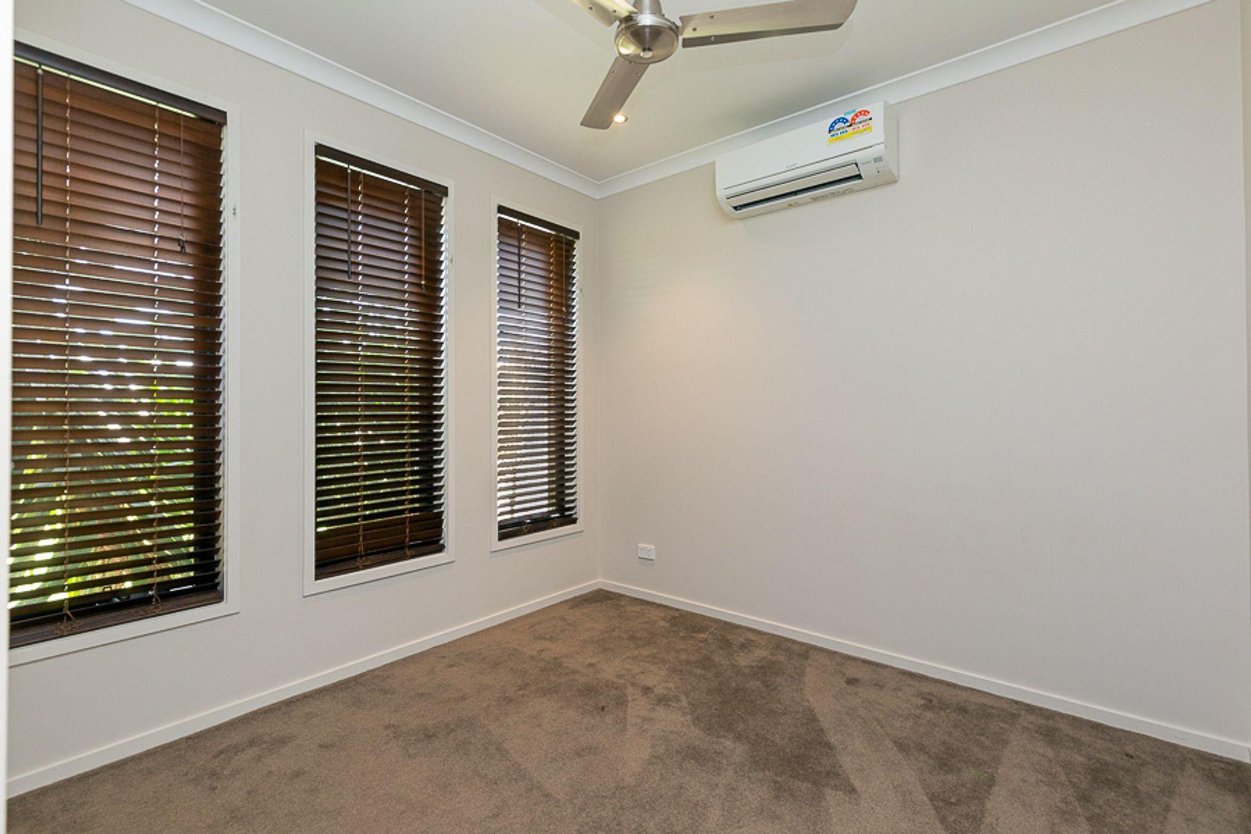8 Clubrush Court, Banksia Beach, QLD 4507