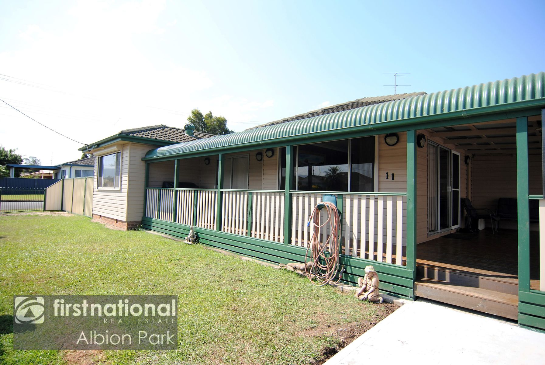 11 Rosewood Street, Albion Park Rail, NSW 2527