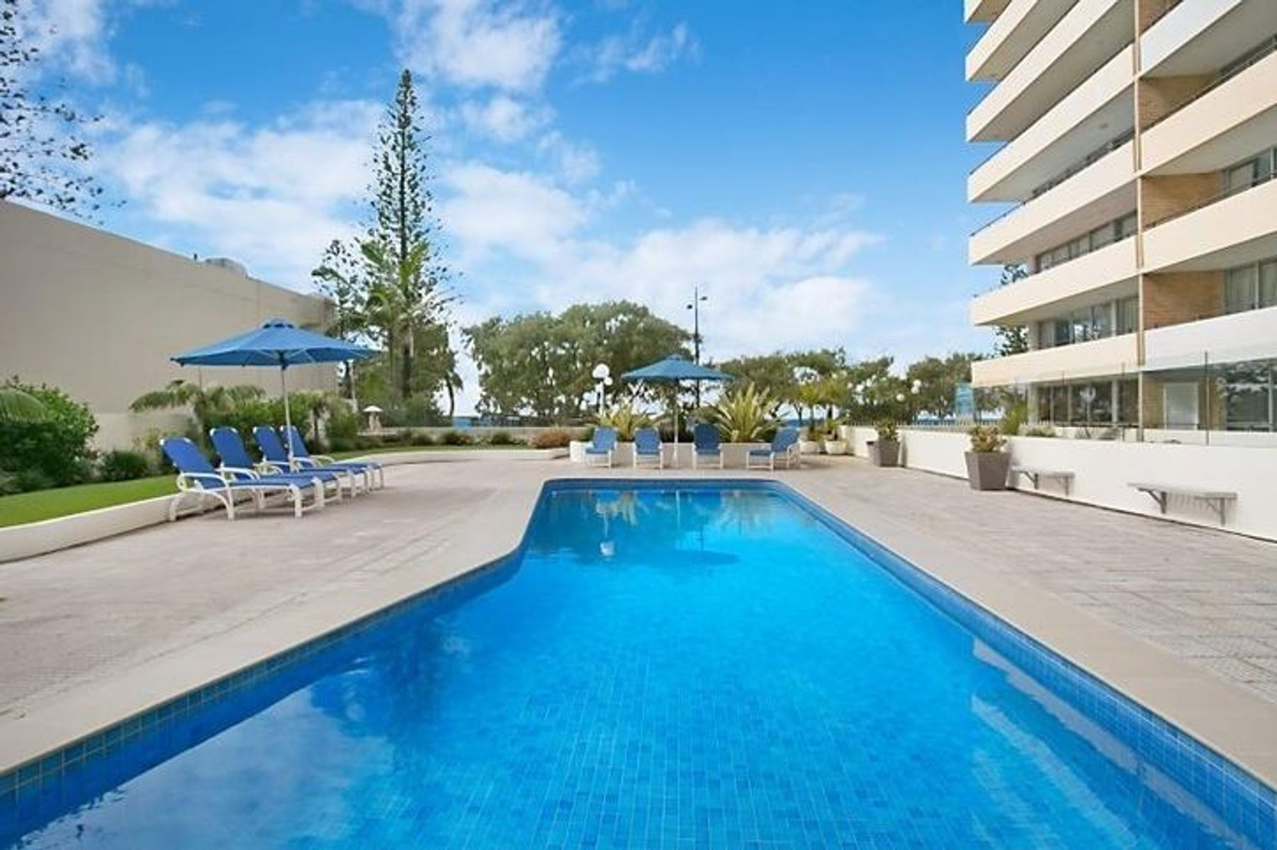 214/40 The Esplanade, Surfers Paradise, QLD 4217