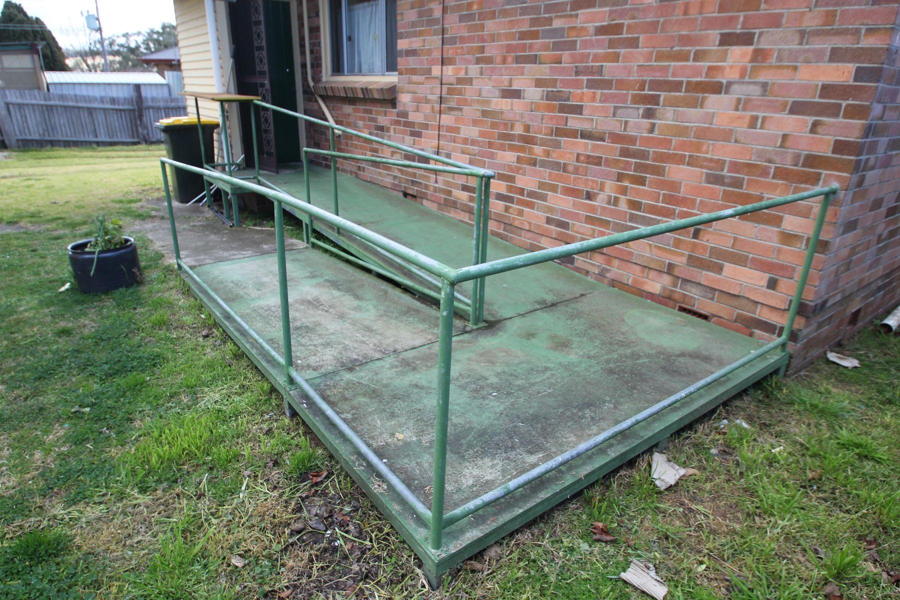 105 Douglas Street, Tenterfield, NSW 2372