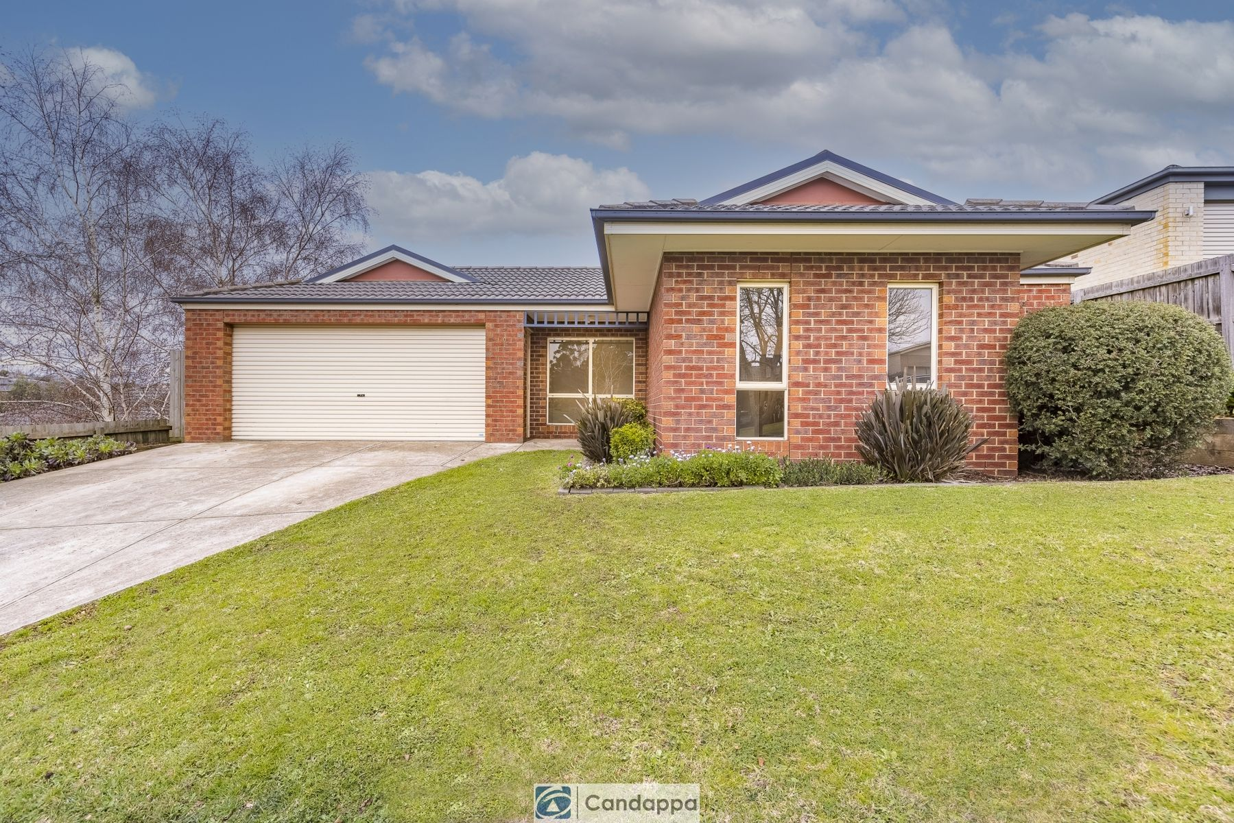 10 Lawrence Road, Drouin, VIC 3818