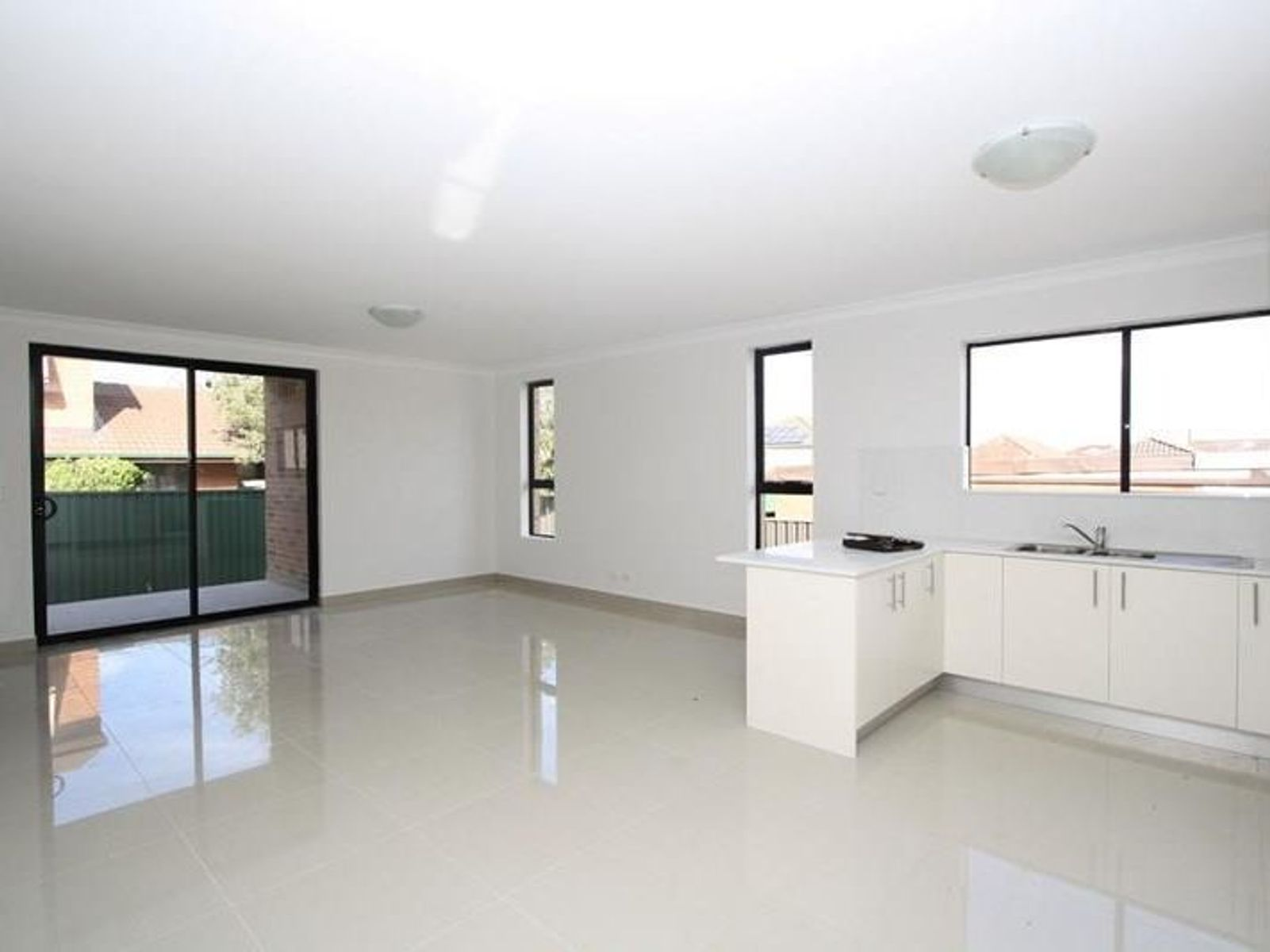5/5 Resthaven Road, Bankstown, NSW 2200