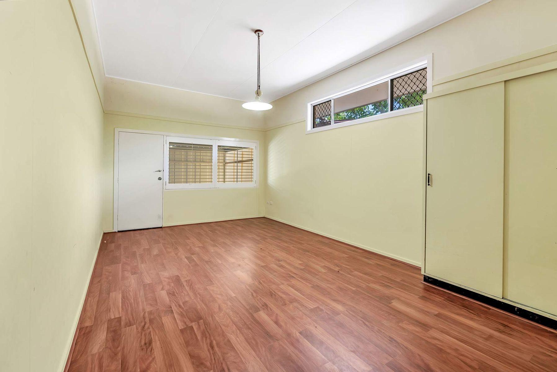 10 Lanty Street, Southport, QLD 4215