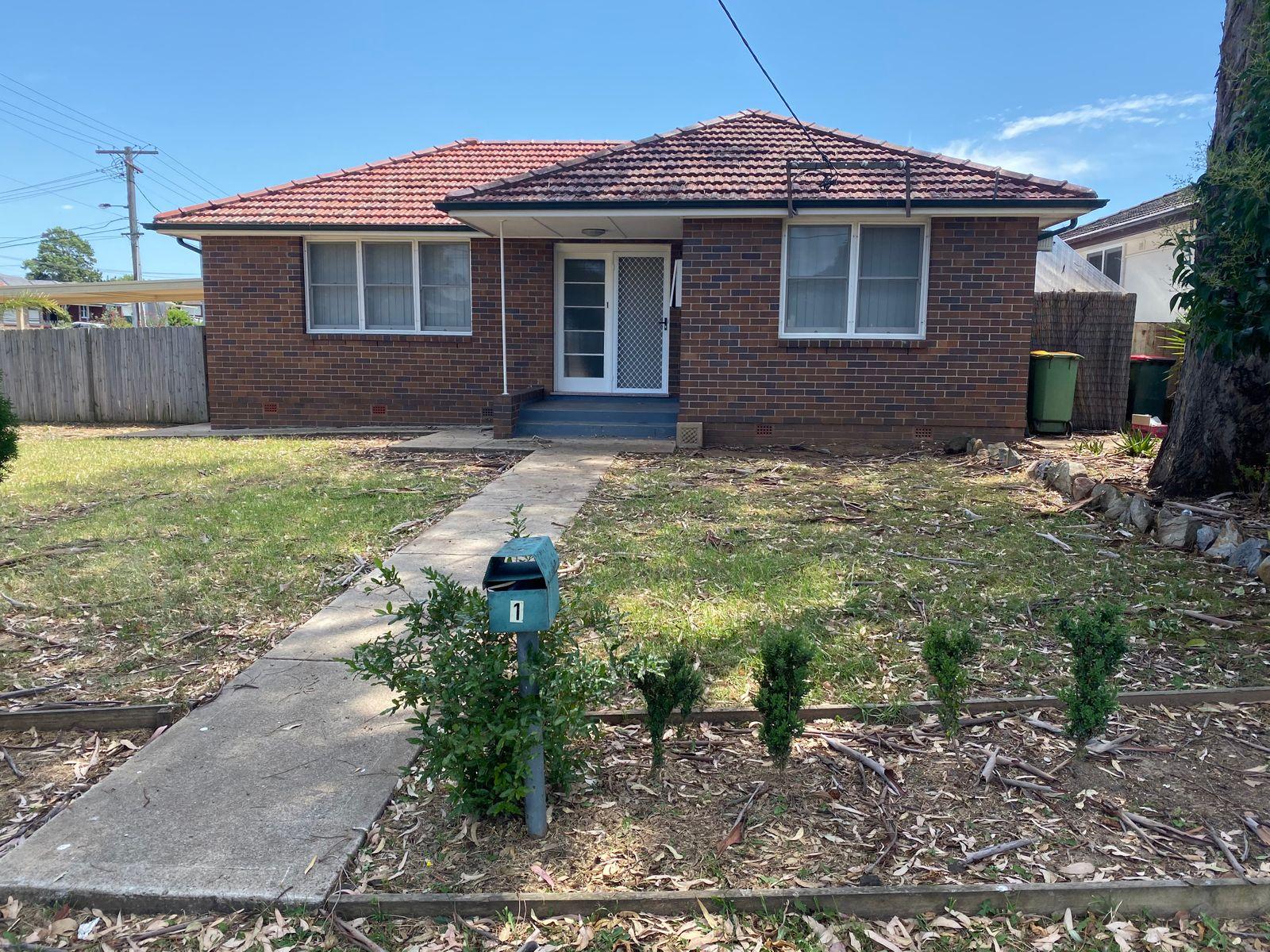 1 Leichhardt Avenue, Fairfield West, NSW 2165