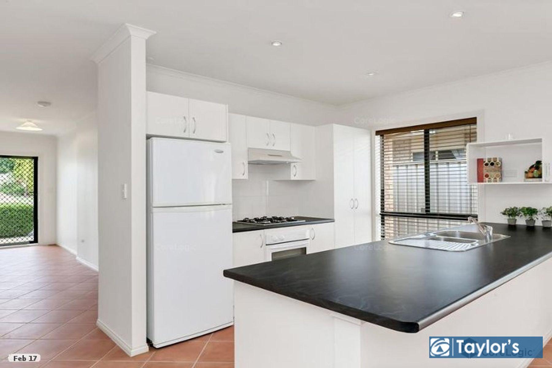 13b Dumfries Avenue, Northfield, SA 5085