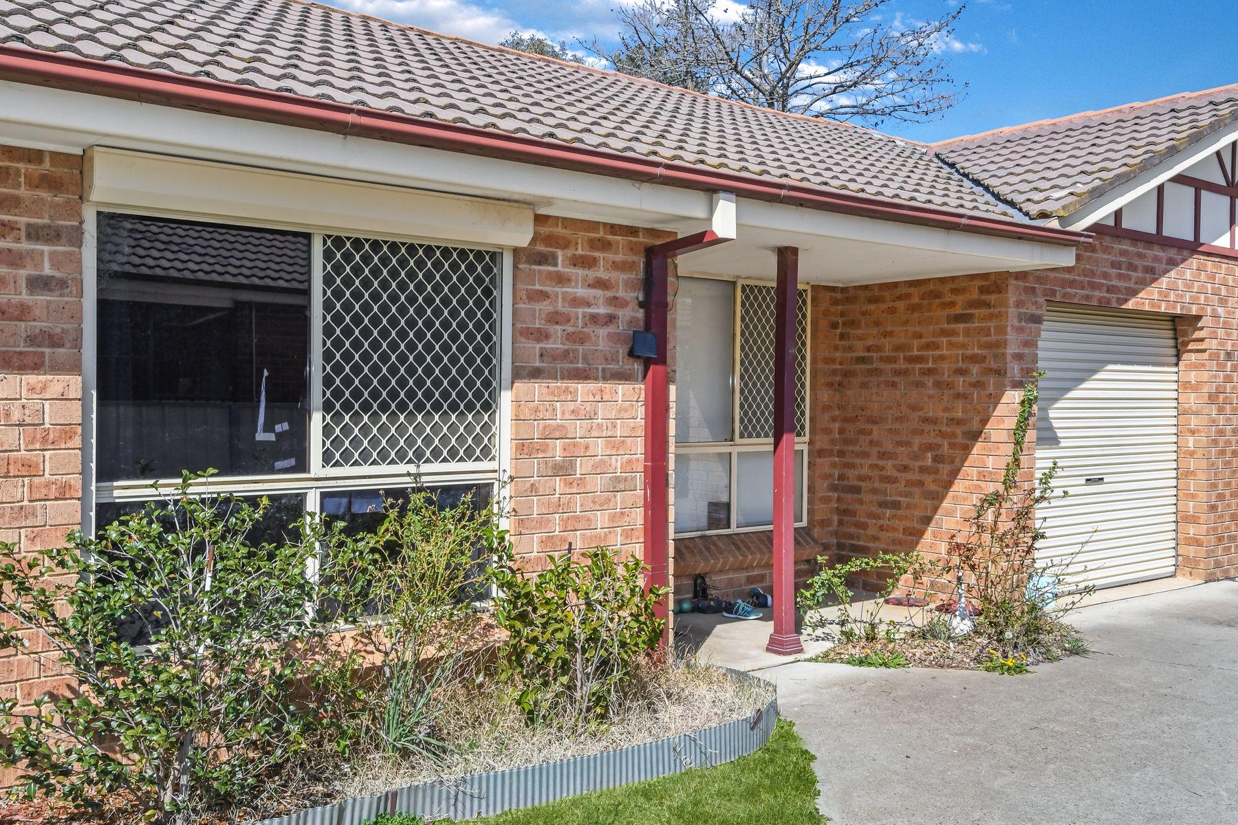 2/64 Bonnor Street, Kelso, NSW 2795