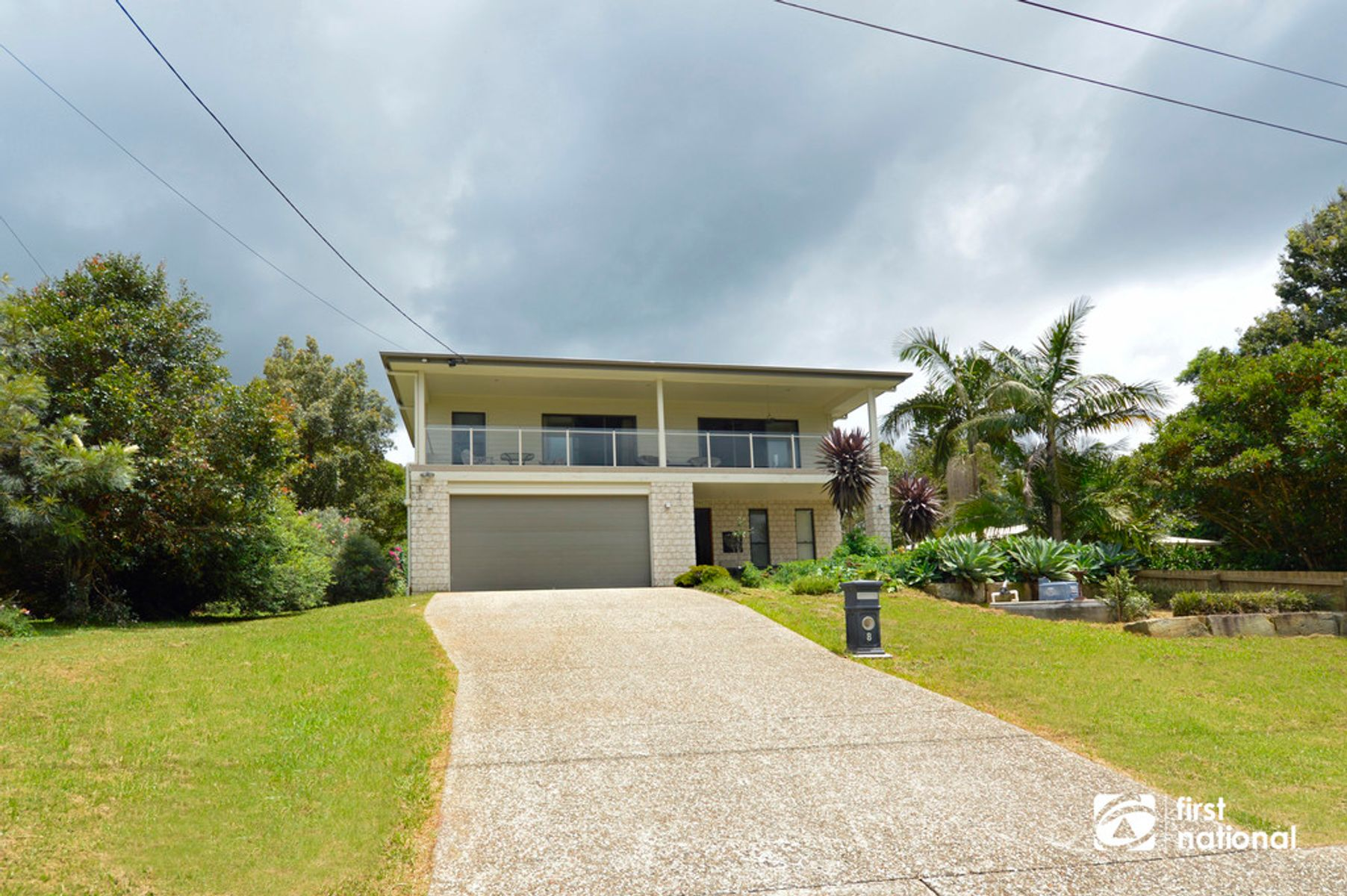 8 Lamington Pde, Tamborine Mountain, QLD 4272